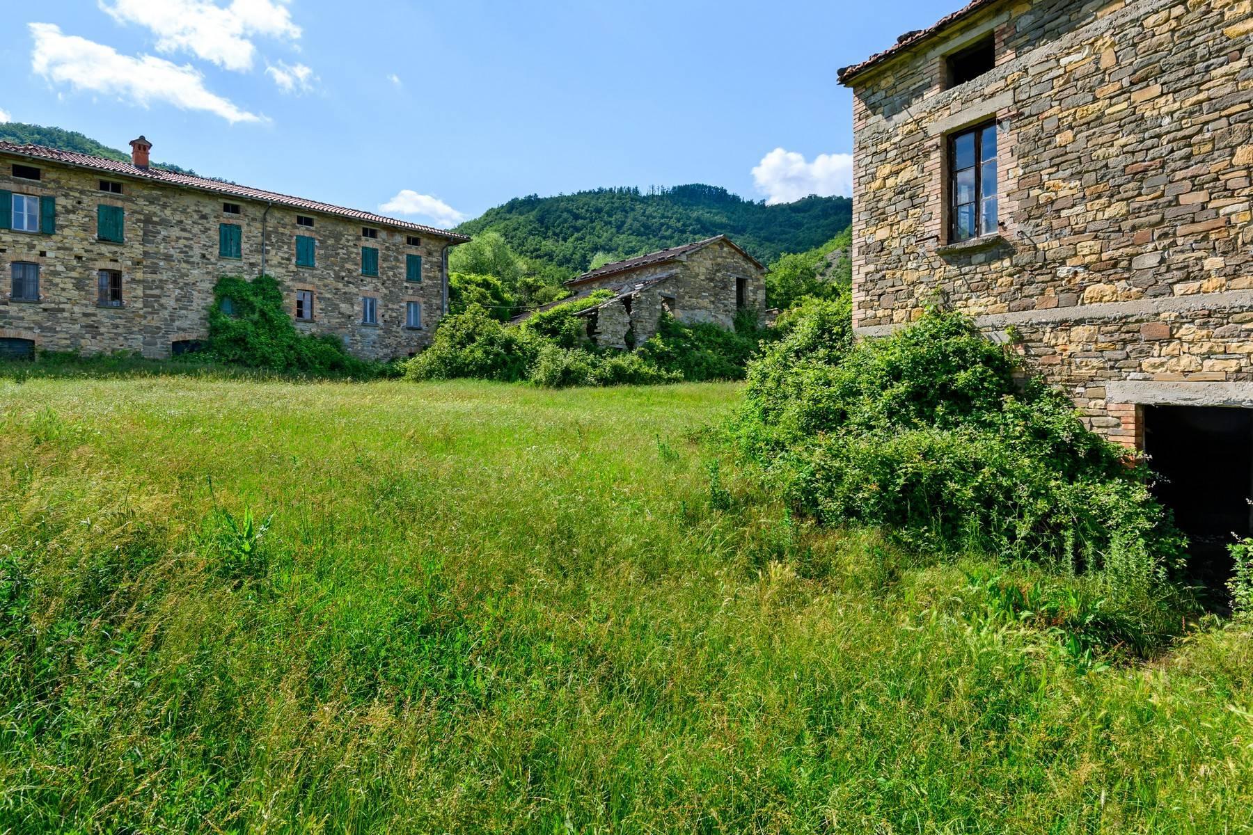 Magnifique château du XIIIe siècle avec fermes - 20