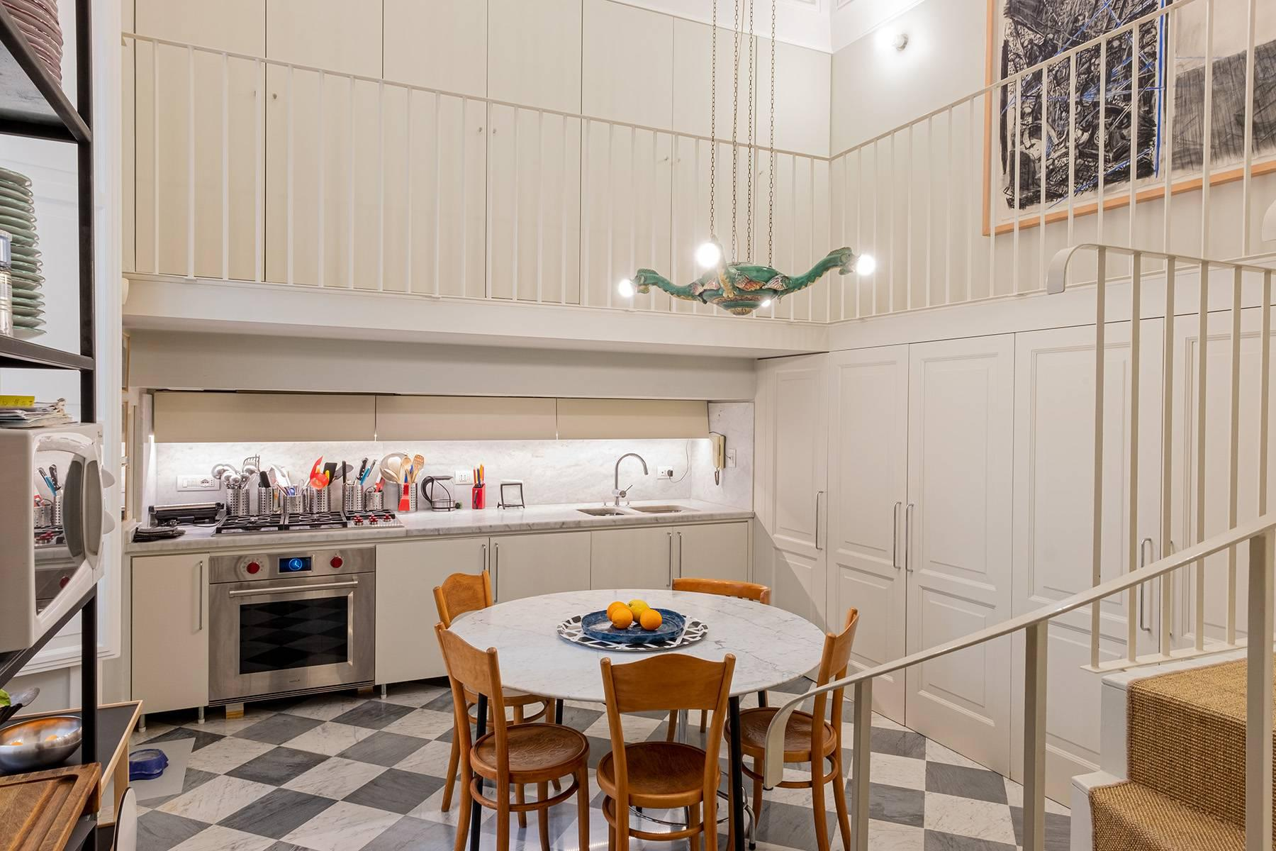 Apartment with great charm in a noble palace - 6