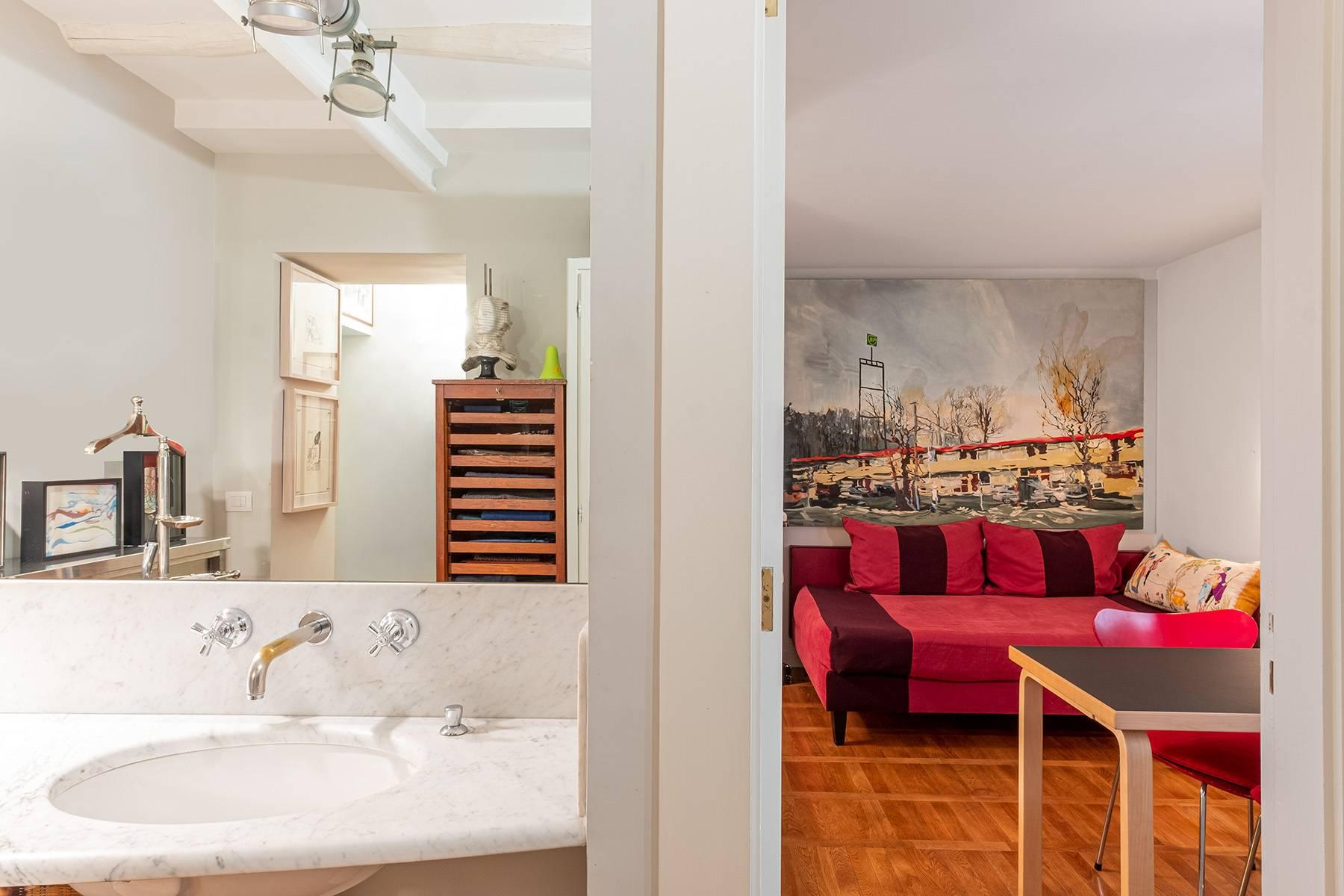 Apartment with great charm in a noble palace - 20
