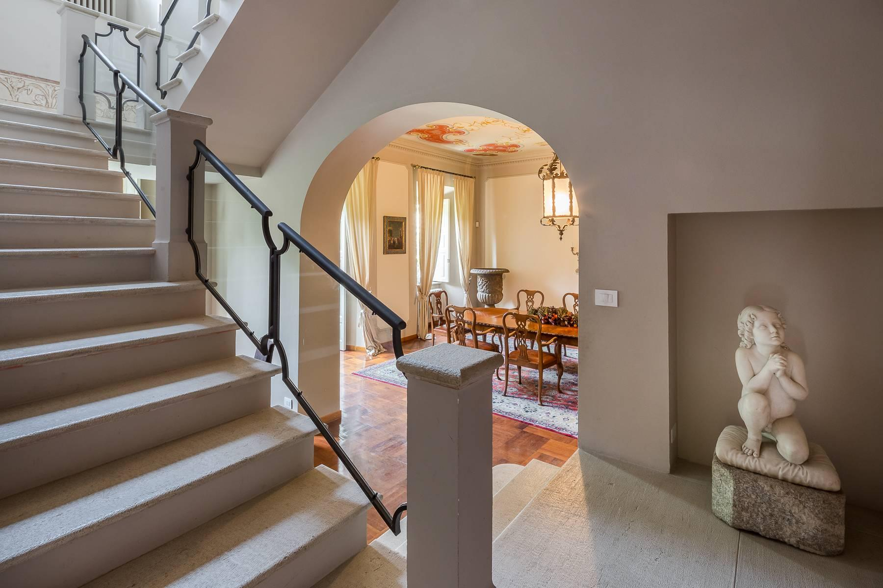 Beautiful historic villa surrounded by a park of about 2.2 hectares 30 minutes from Milan - 18