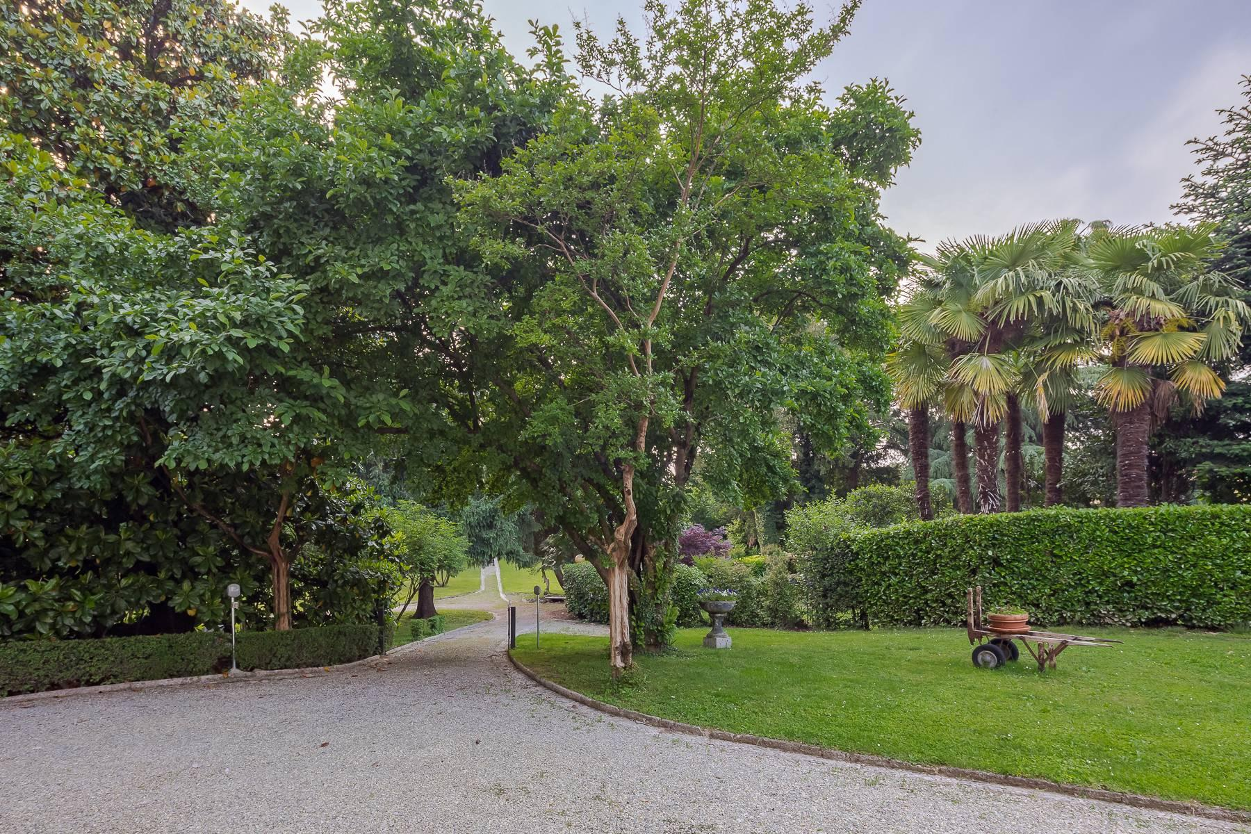Beautiful historic villa surrounded by a park of about 2.2 hectares 30 minutes from Milan - 41