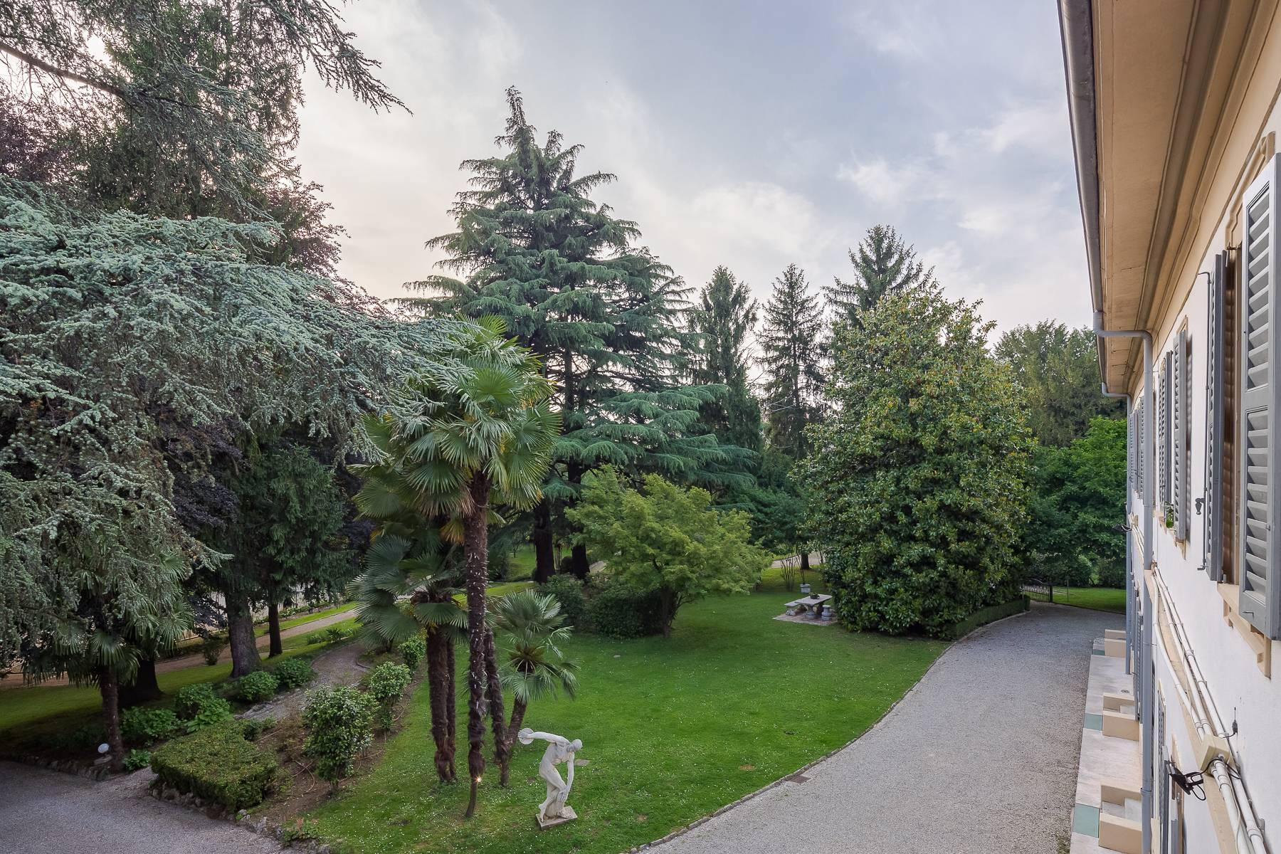 Beautiful historic villa surrounded by a park of about 2.2 hectares 30 minutes from Milan - 24