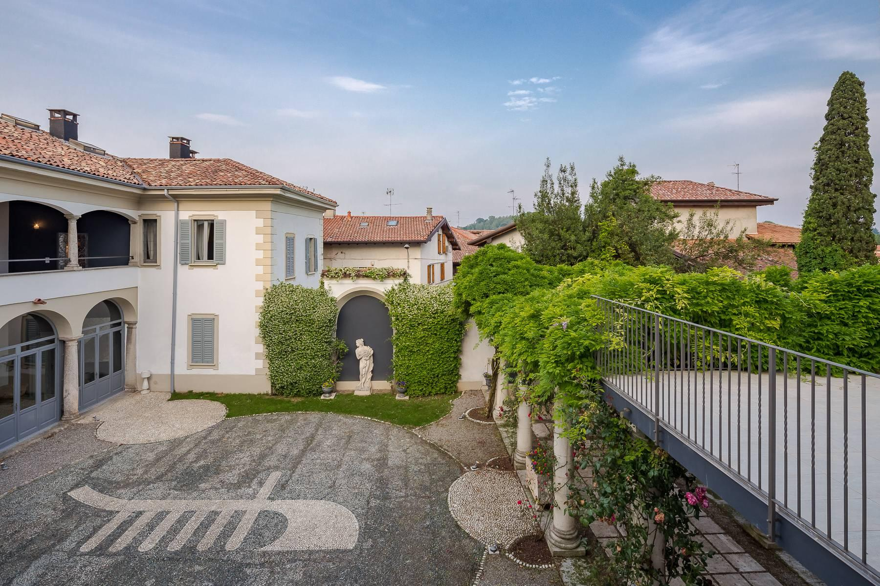 Beautiful historic villa surrounded by a park of about 2.2 hectares 30 minutes from Milan - 7