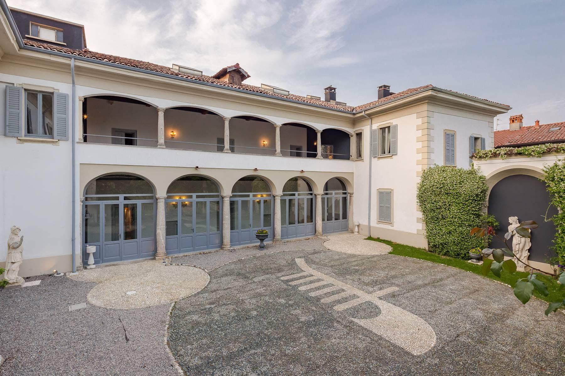 Beautiful historic villa surrounded by a park of about 2.2 hectares 30 minutes from Milan - 25