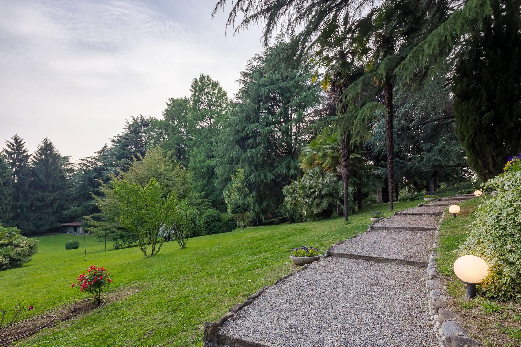 Beautiful historic villa surrounded by a park of about 2.2 hectares 30 minutes from Milan - 43