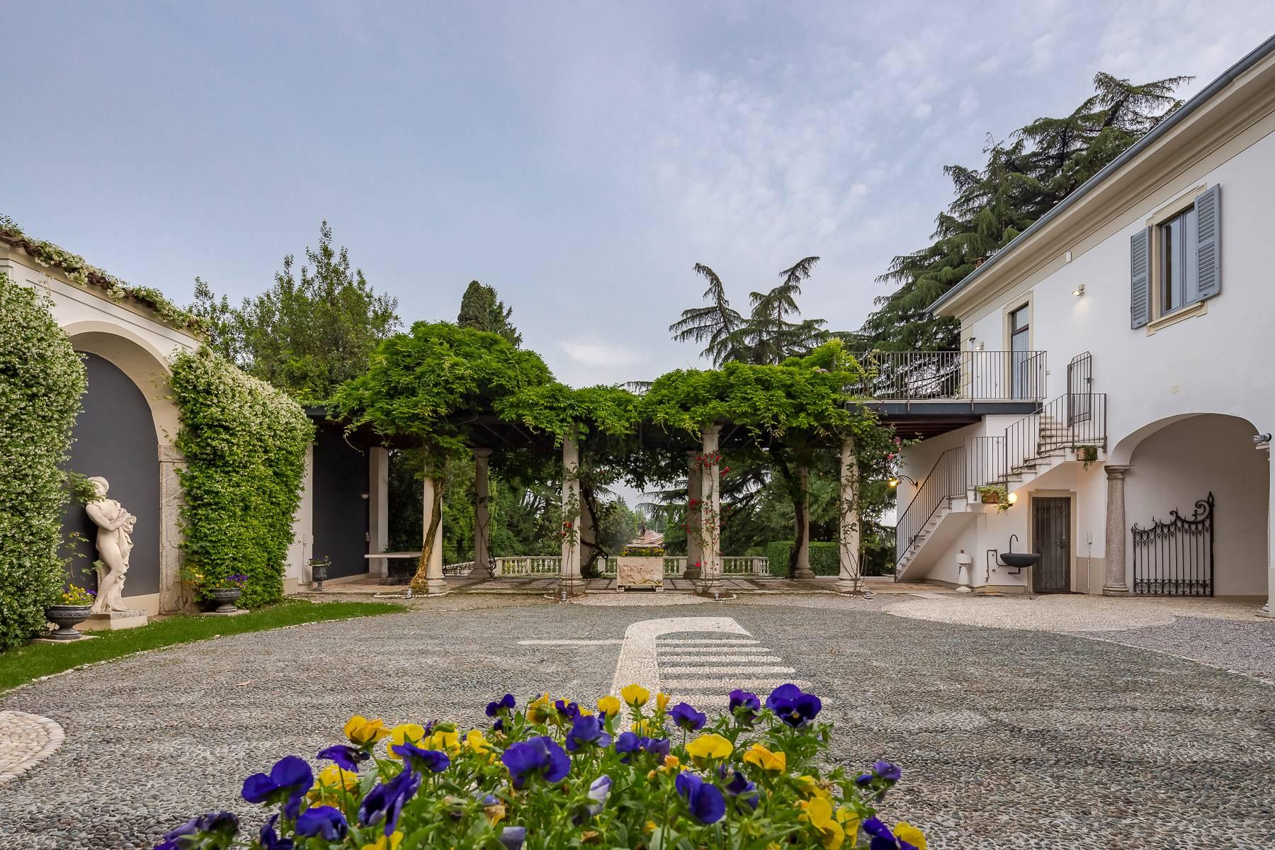 Beautiful historic villa surrounded by a park of about 2.2 hectares 30 minutes from Milan - 48