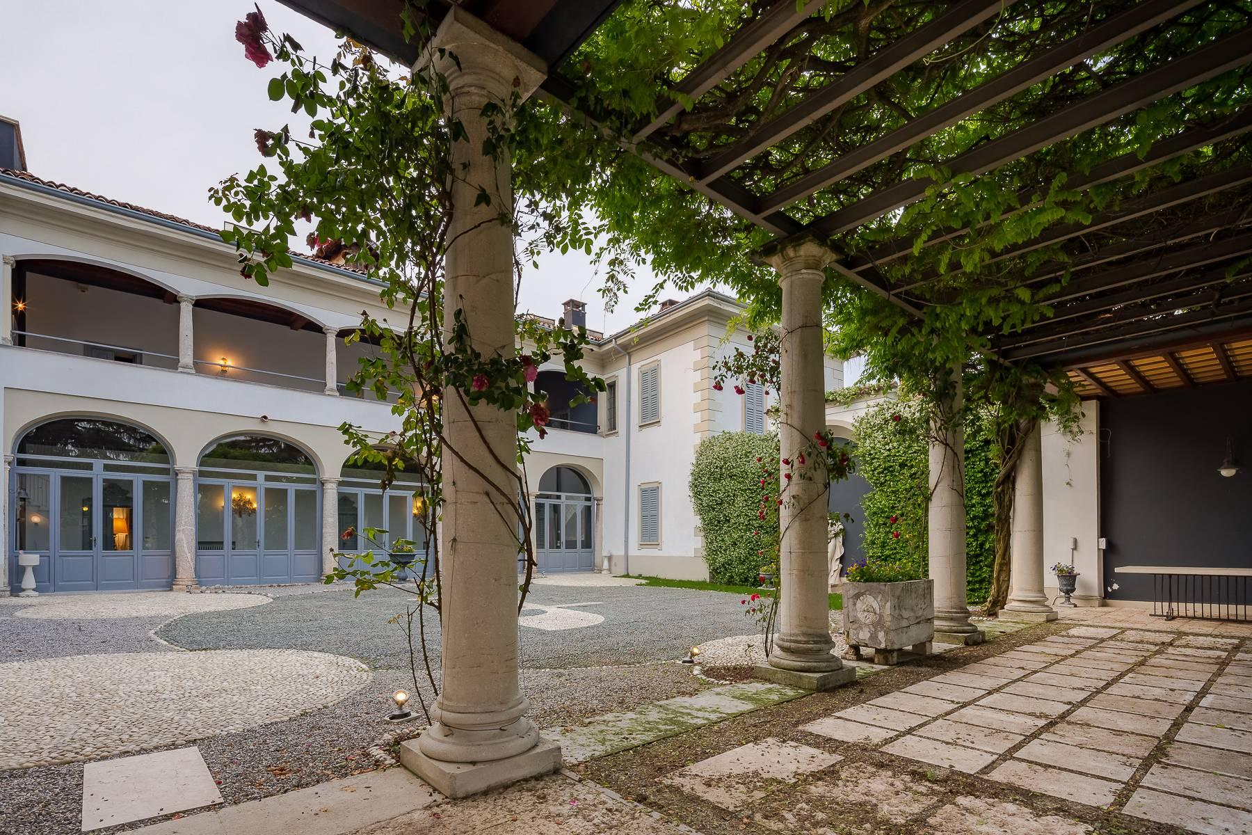Beautiful historic villa surrounded by a park of about 2.2 hectares 30 minutes from Milan - 49