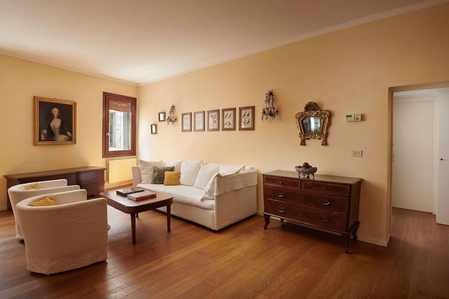 Appartement de design dans le Palazzo Querini Stampalia / S.M. Formosa - 11