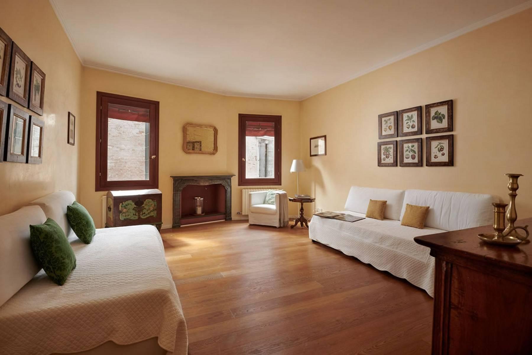 Appartement de design dans le Palazzo Querini Stampalia / S.M. Formosa - 22