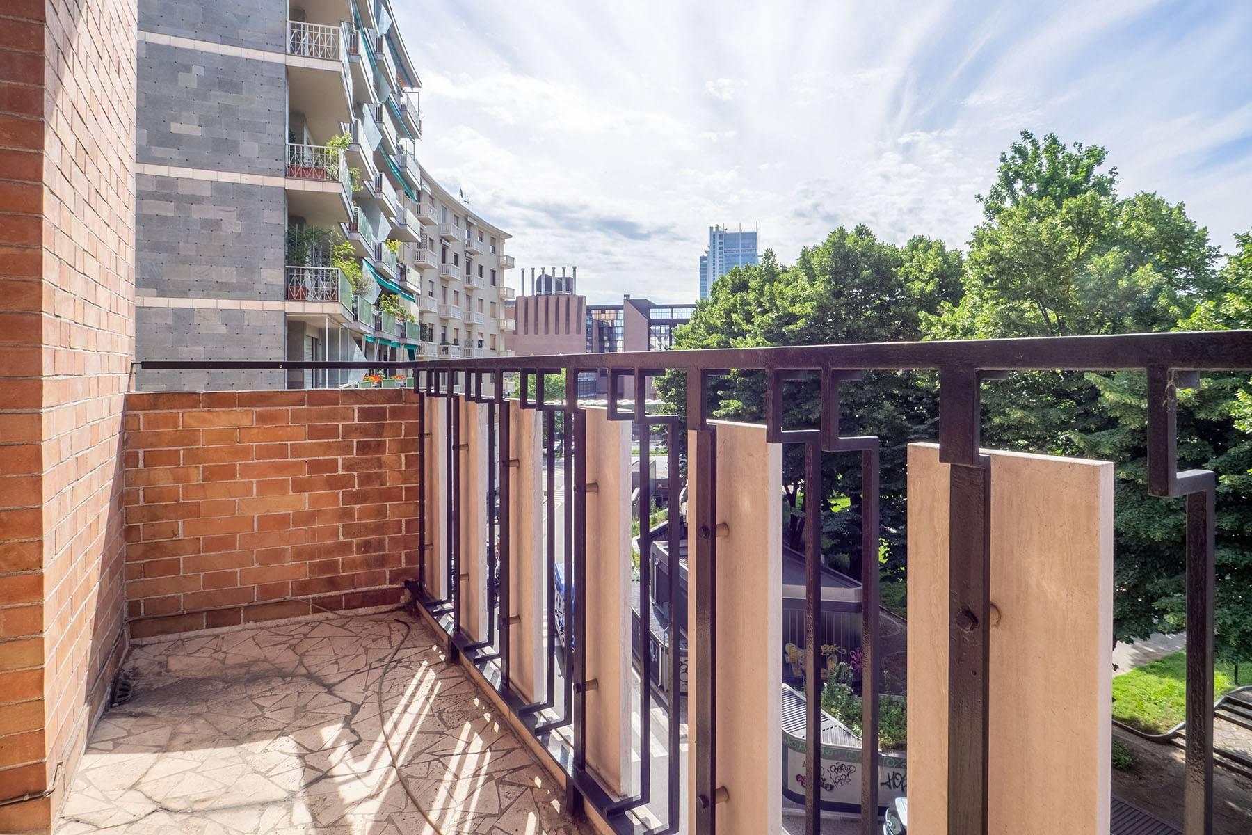 Luminoso appartamento in Piazza Adriano - 12