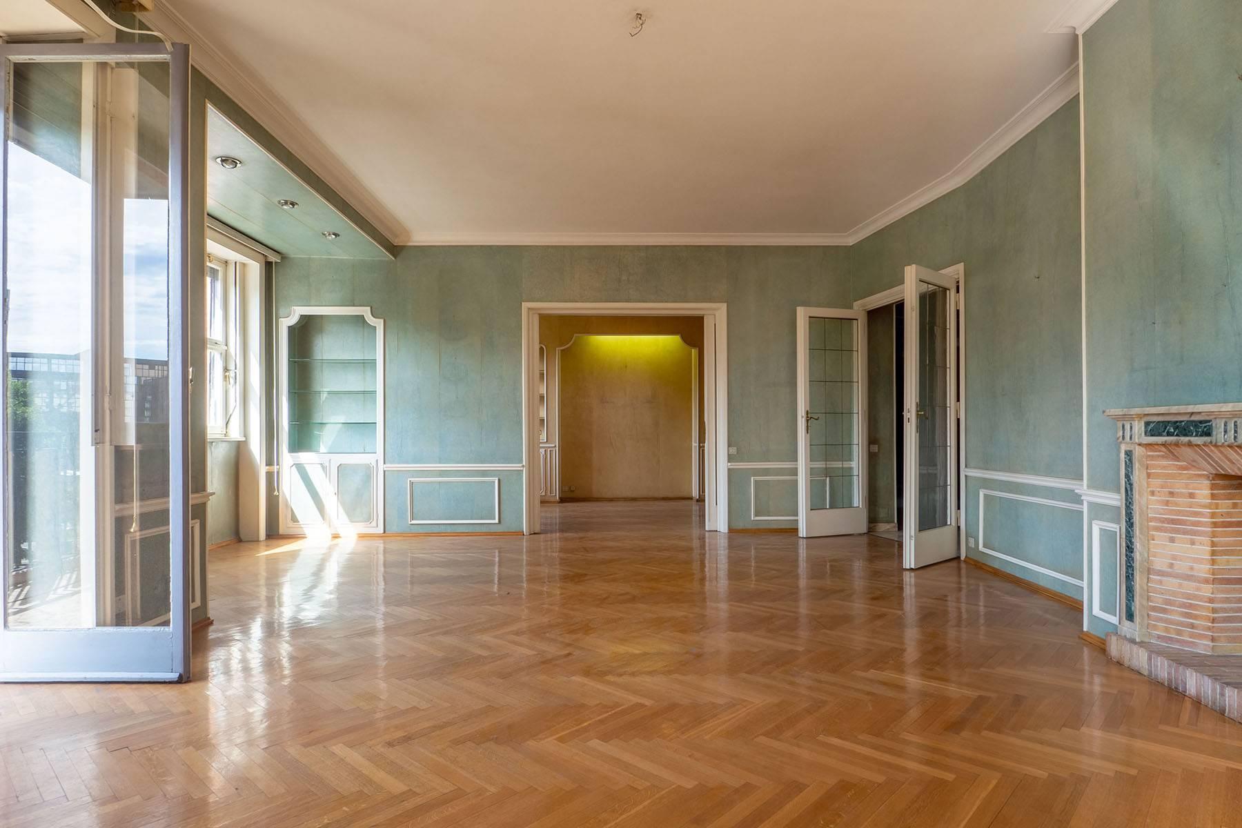 Luminoso appartamento in Piazza Adriano - 10