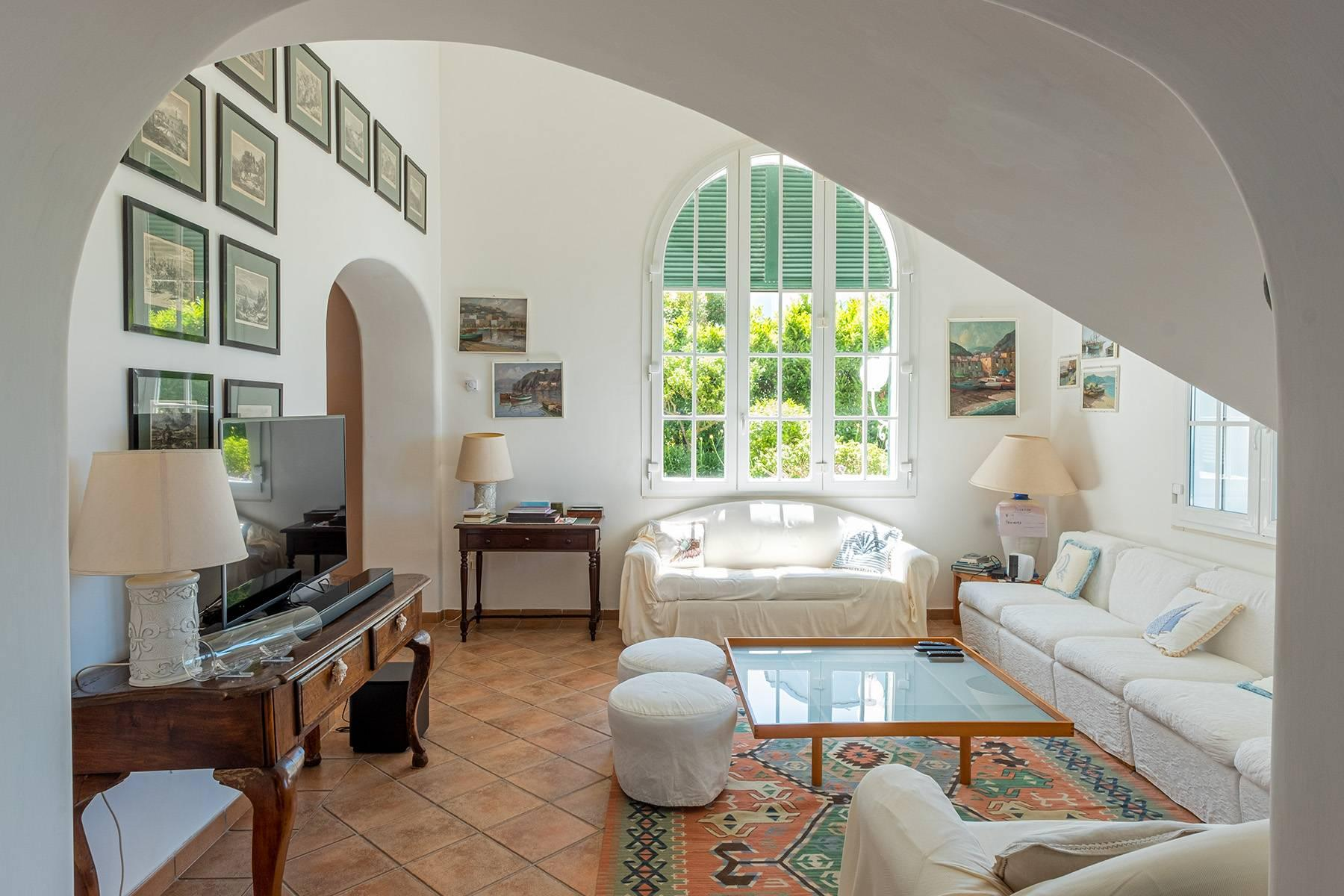 Charming villa with swimming pool in Anacapri - 2