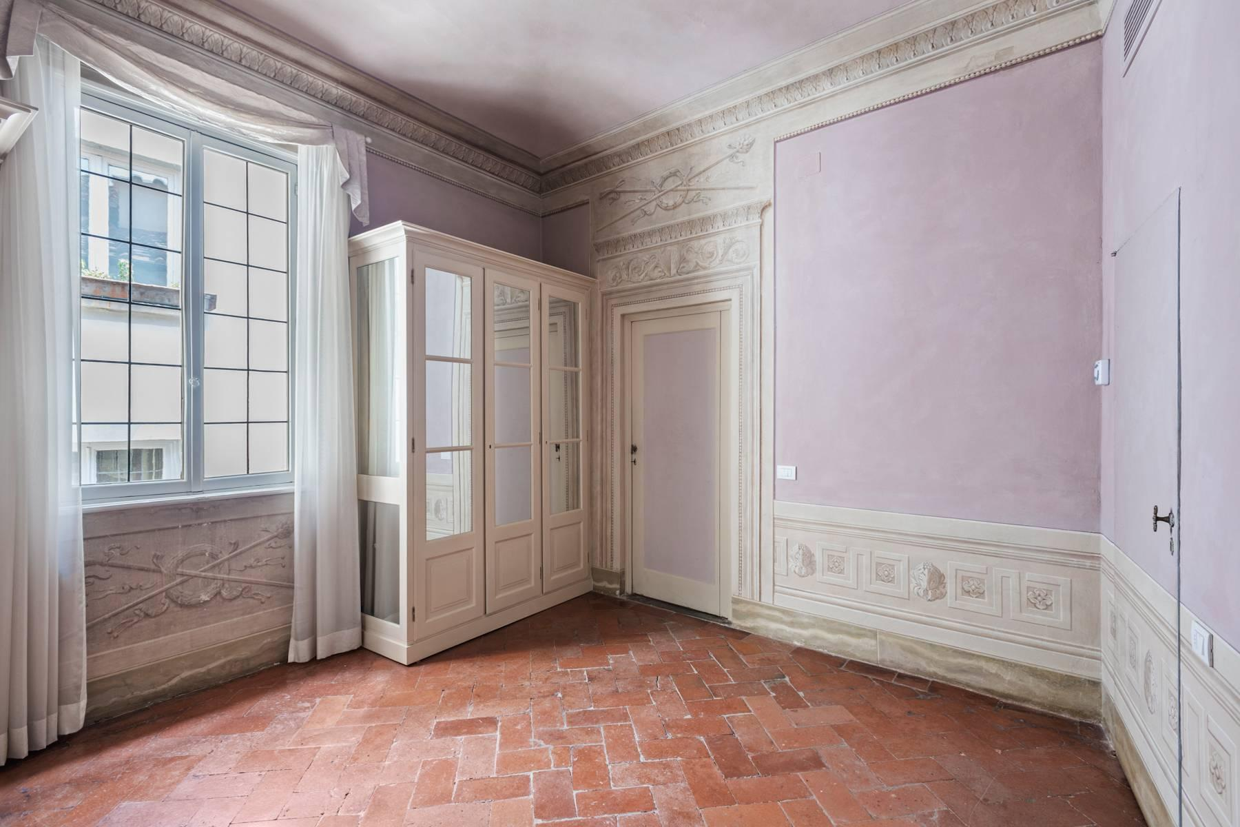 Fabulous historic apartment in the historic center of Florence - 10