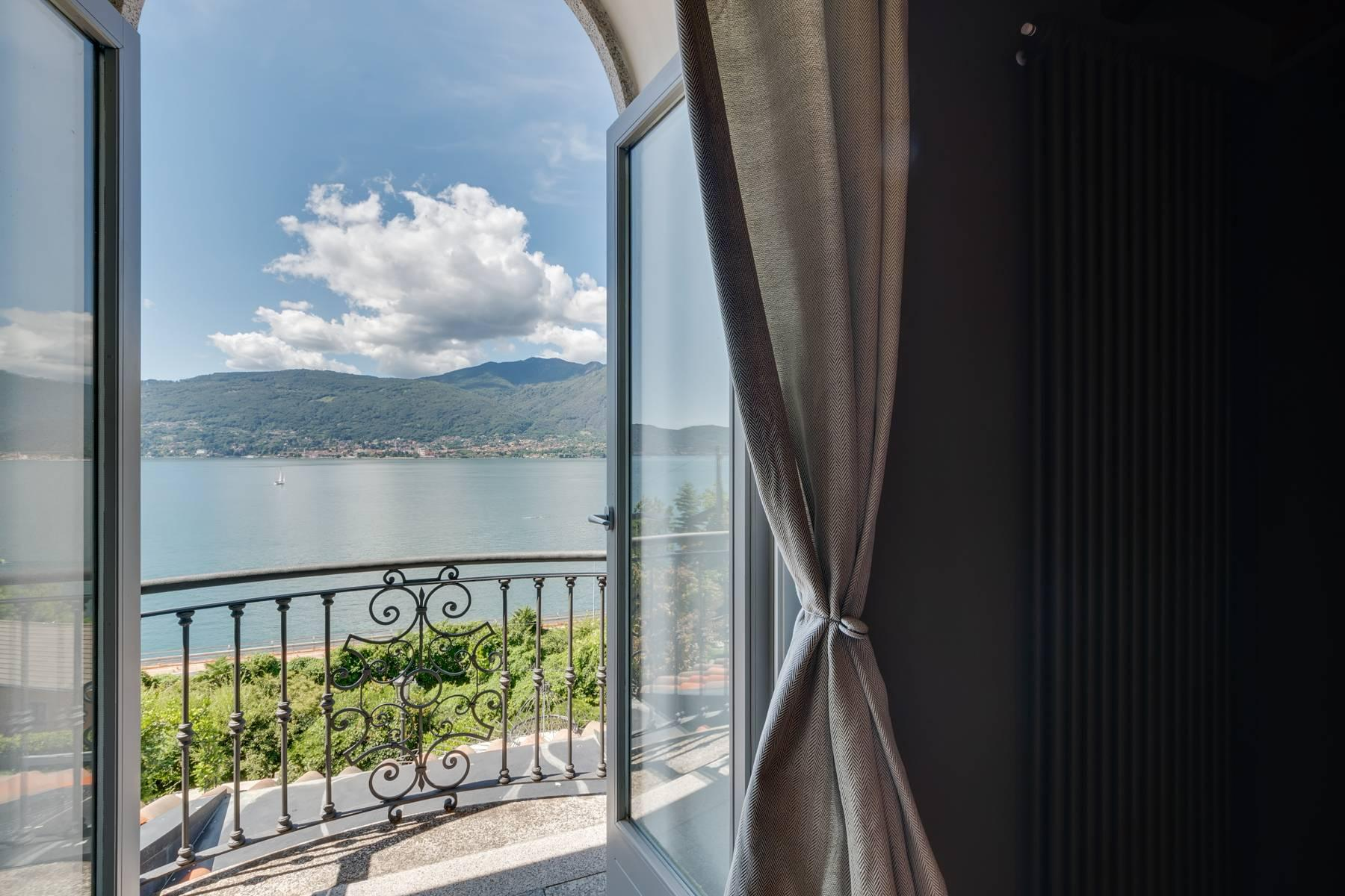 Majestic stately villa with a modern touch and a wonderful lake view - 2