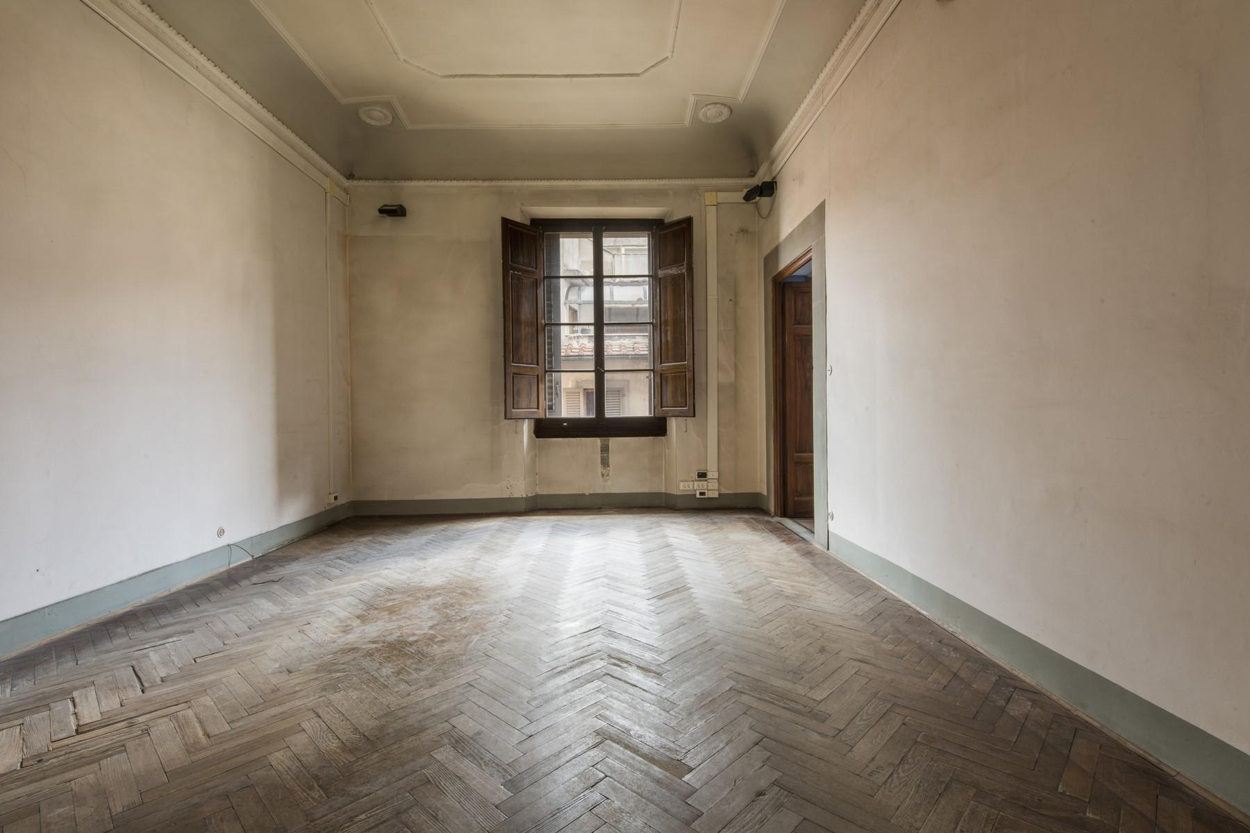 Magnificent 520sqm penthouse in a historic Florentine palazzo. - 19