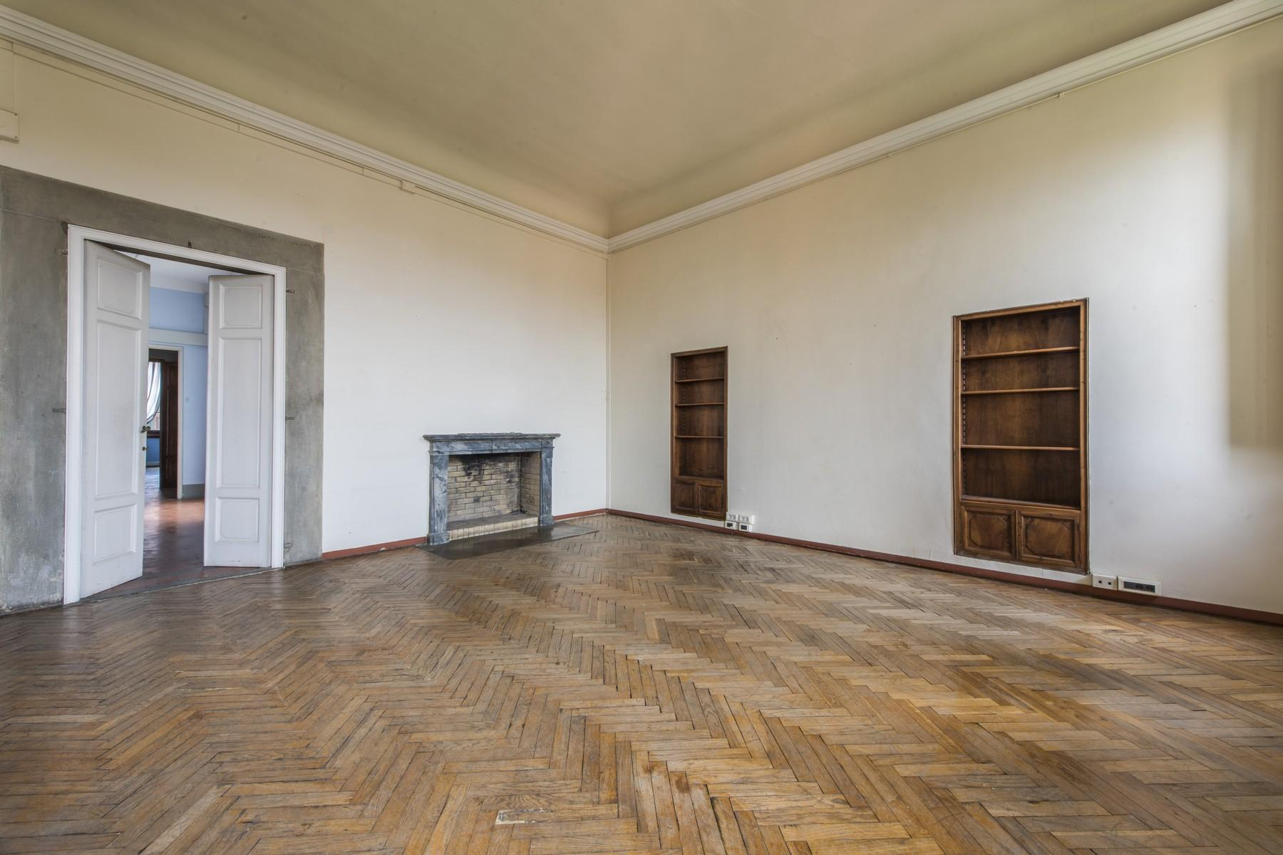 Magnificent 520sqm penthouse in a historic Florentine palazzo. - 9