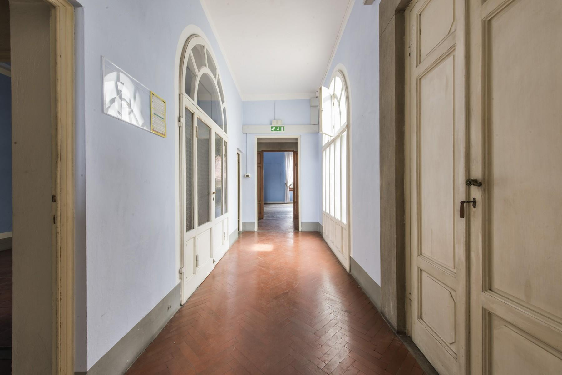 Magnificent 520sqm penthouse in a historic Florentine palazzo. - 20
