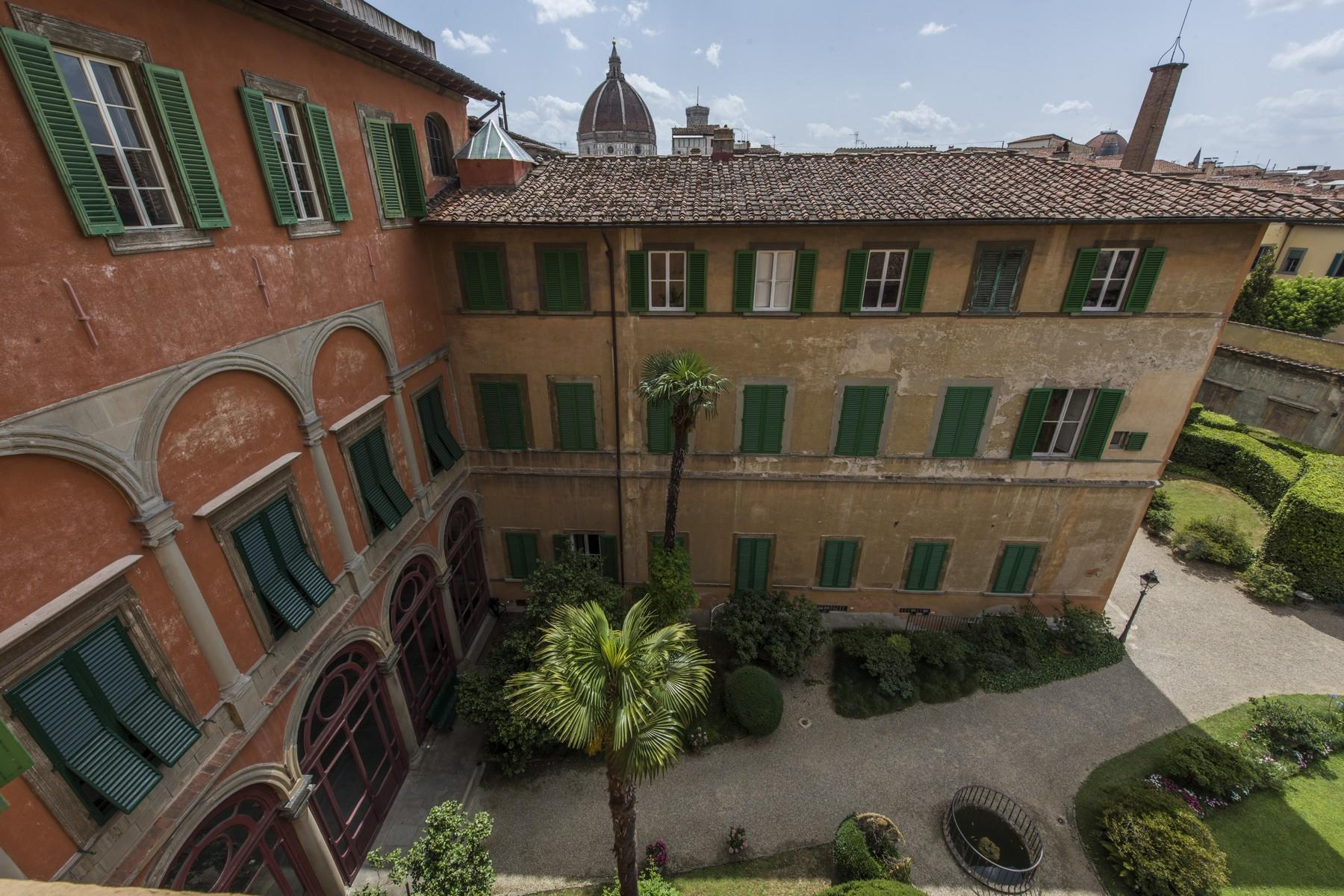 Magnificent 520sqm penthouse in a historic Florentine palazzo. - 21