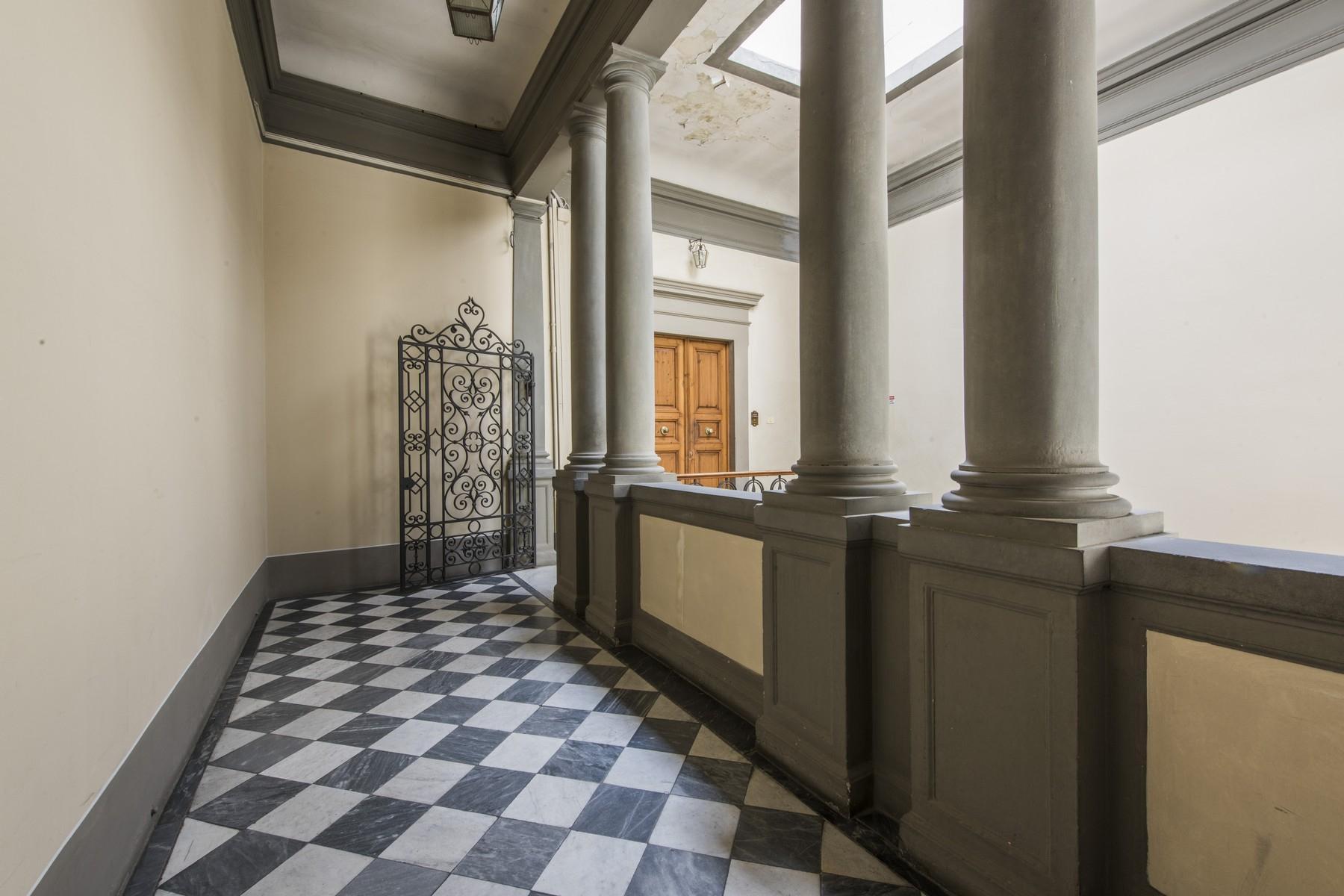 Prestigioso attico di 520mq in un palazzo storico fiorentino. - 3