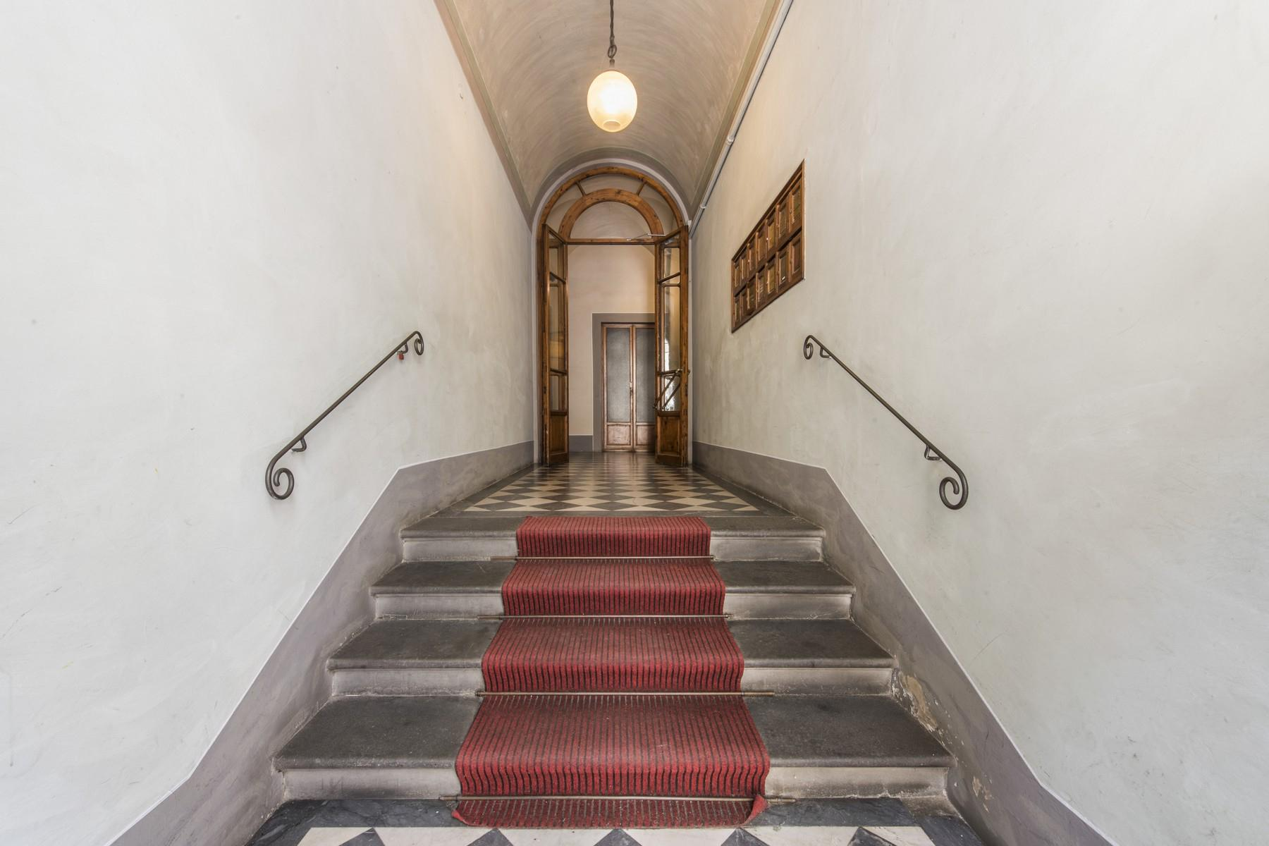 Magnificent 520sqm penthouse in a historic Florentine palazzo. - 11
