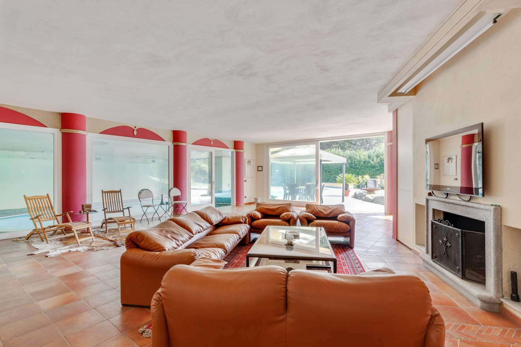 Prestigious Villa in a splendid private park of over four hectares - 11