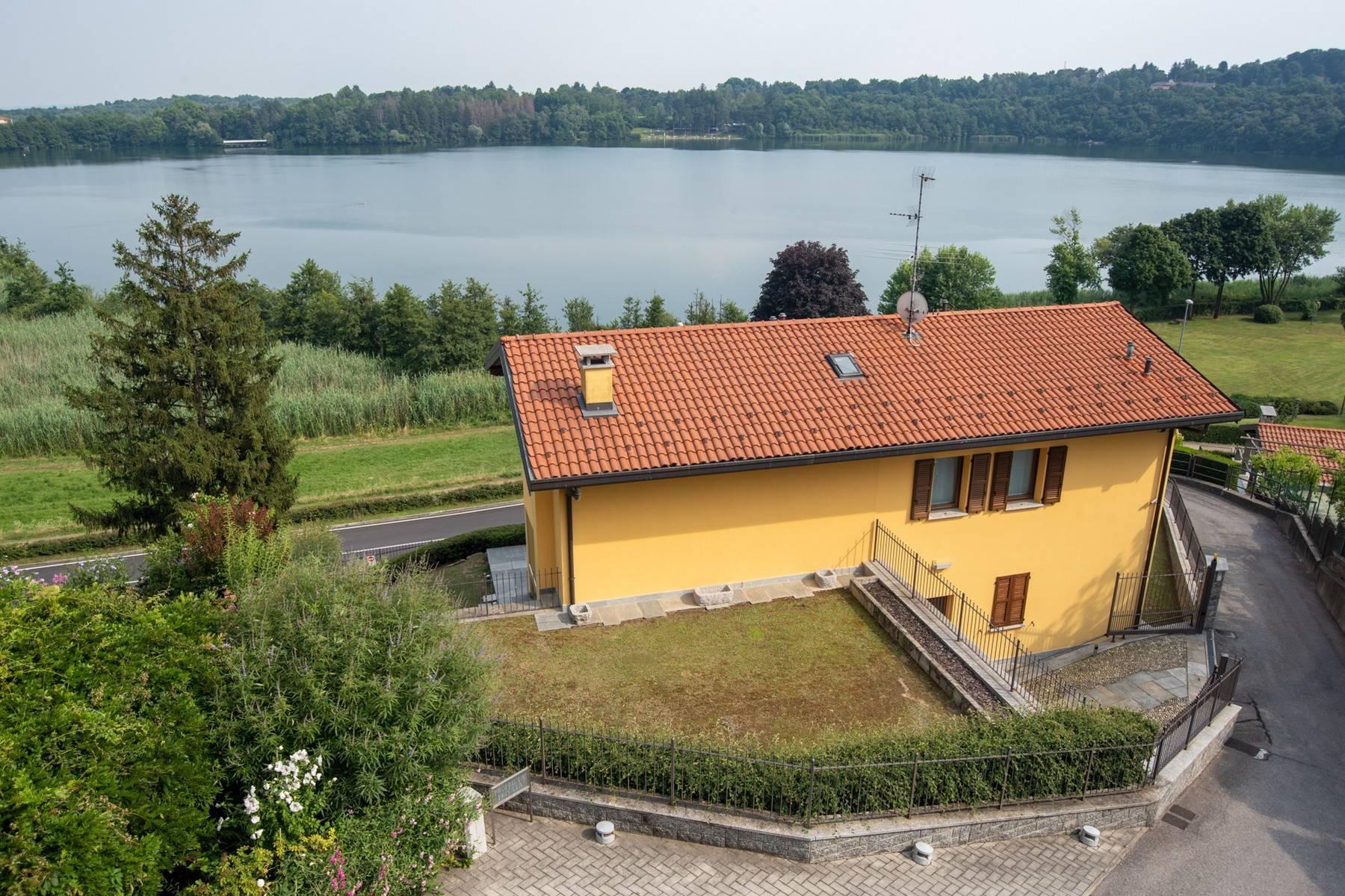Elegante villa moderna con meravigliosa vista sul lago di Montorfano - 4