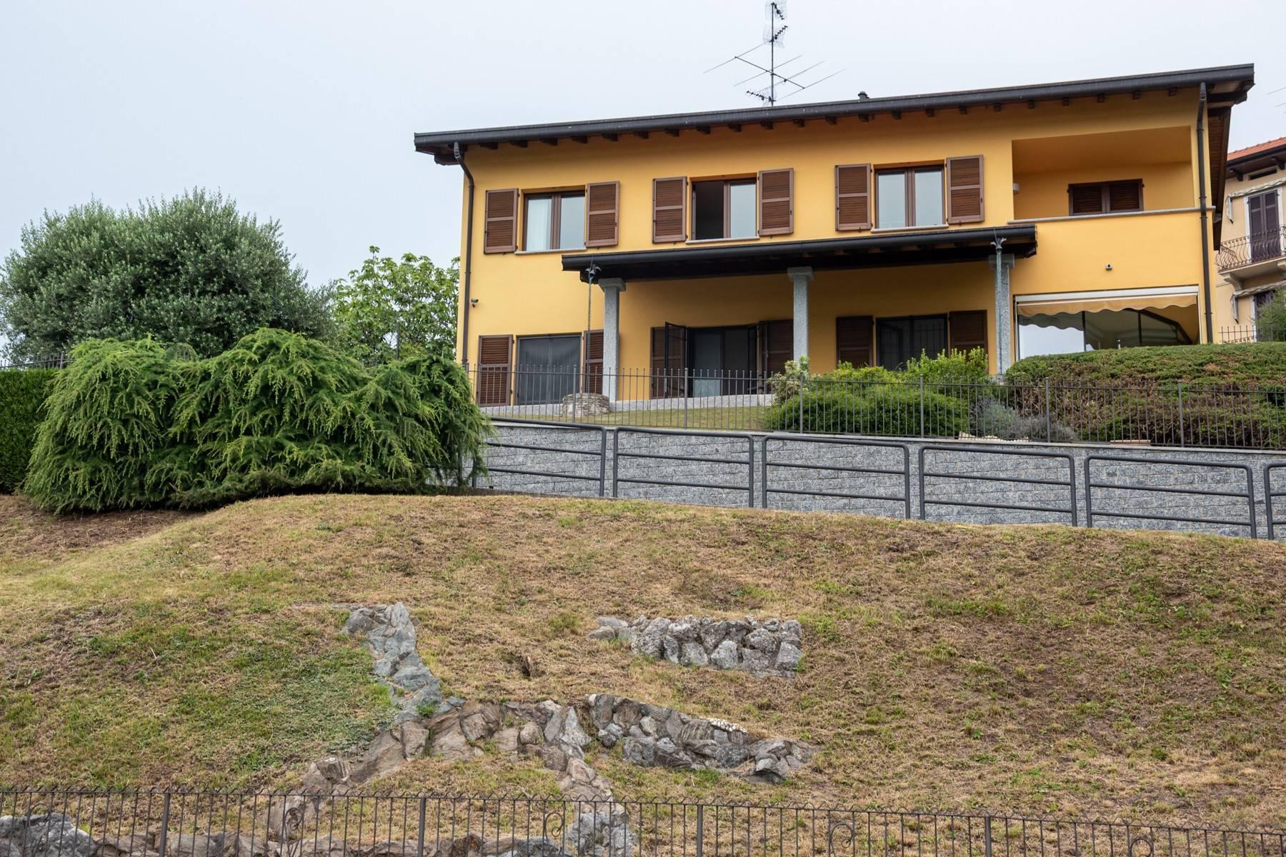 Élégante villa moderne avec une vue magnifique sur le lac de Montorfano - 3
