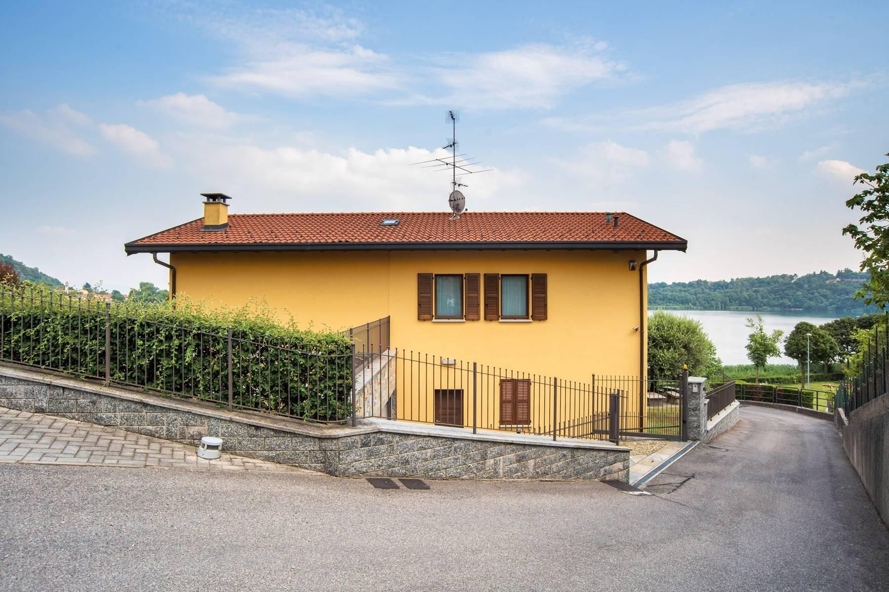 Elegante villa moderna con meravigliosa vista sul lago di Montorfano - 5