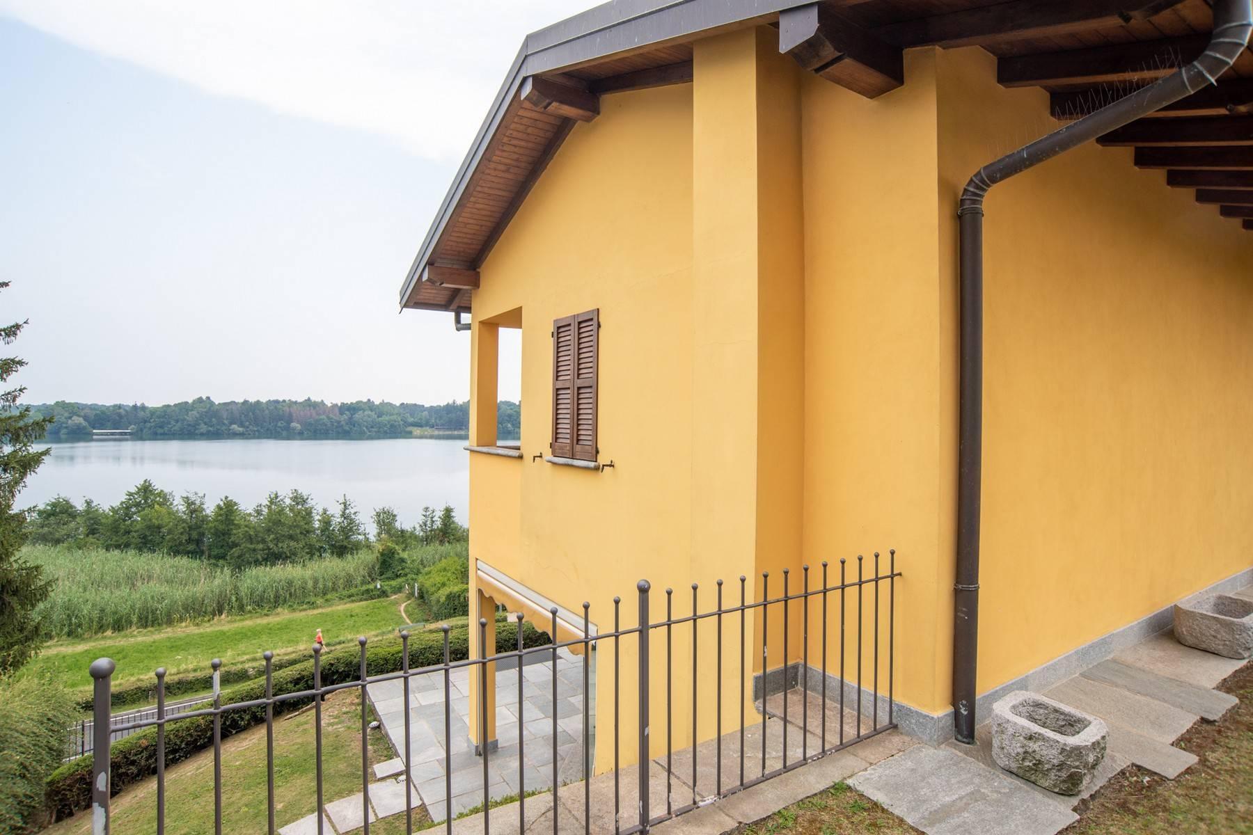 Élégante villa moderne avec une vue magnifique sur le lac de Montorfano - 6