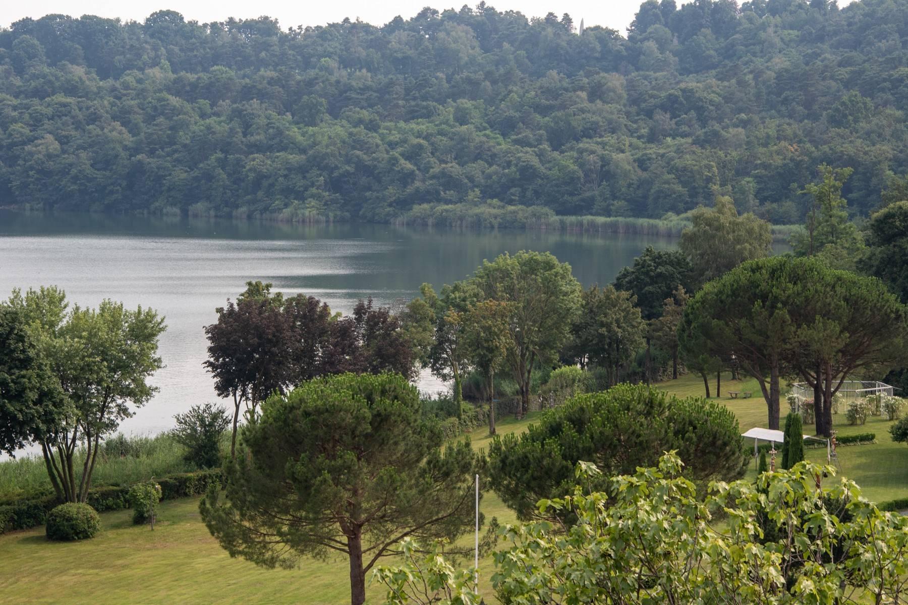Élégante villa moderne avec une vue magnifique sur le lac de Montorfano - 7