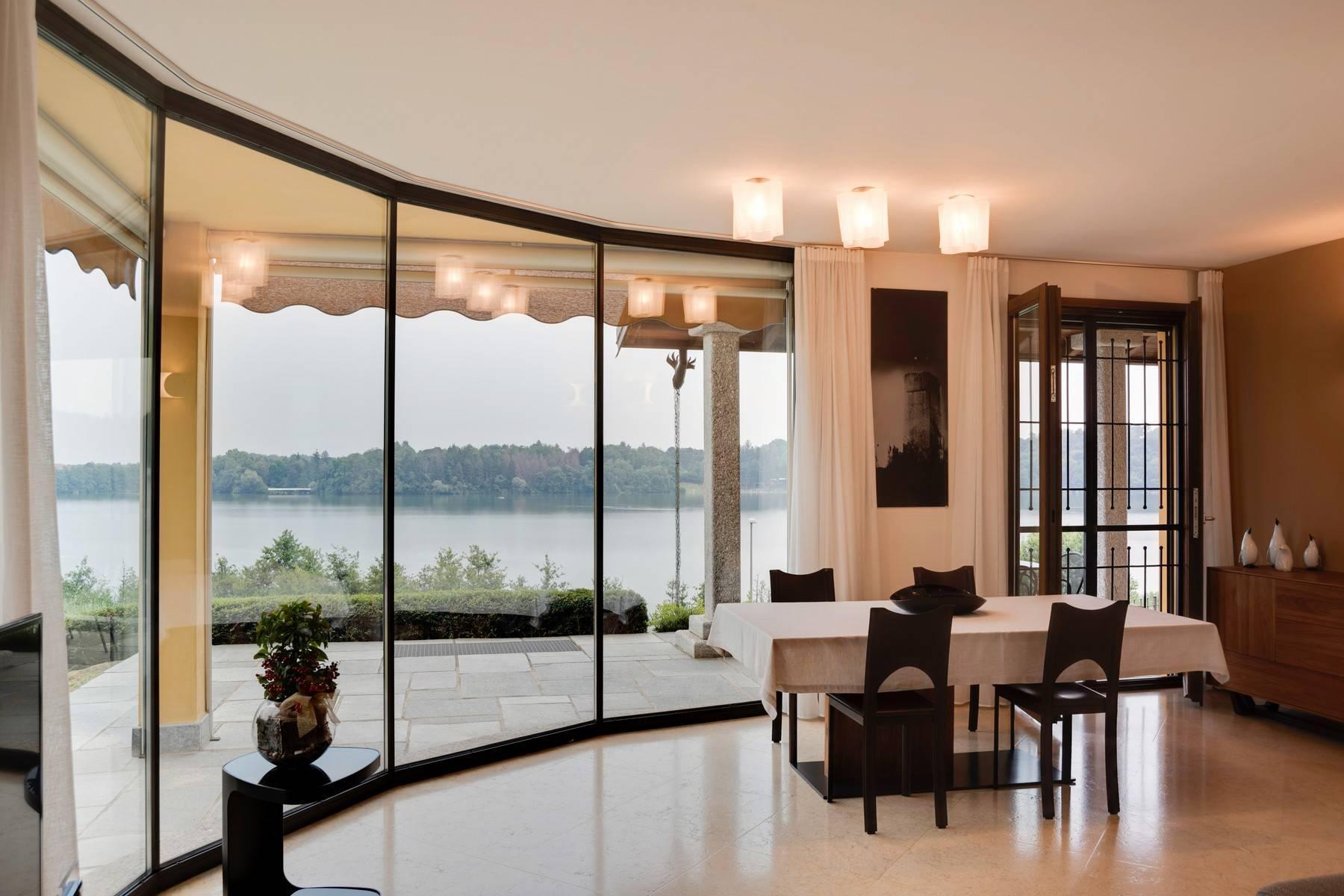 Elegante villa moderna con meravigliosa vista sul lago di Montorfano - 10