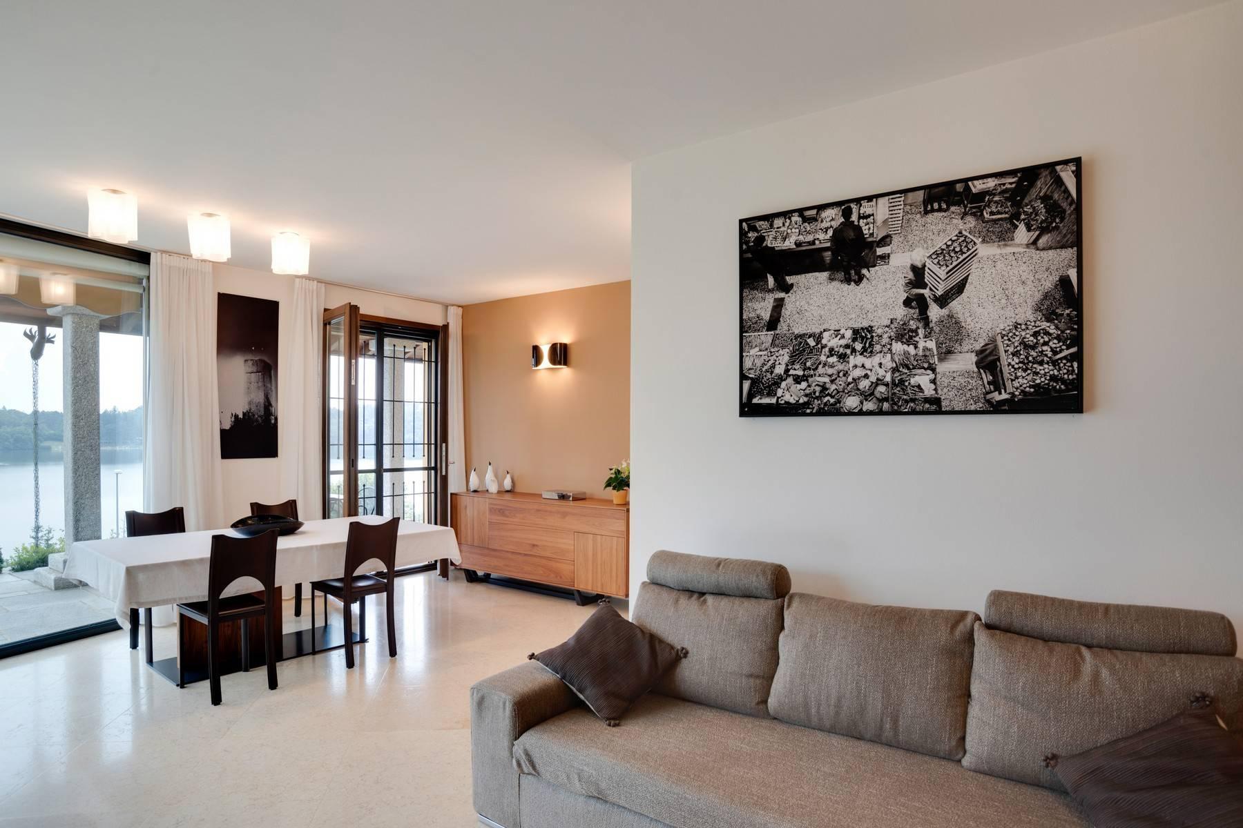 Élégante villa moderne avec une vue magnifique sur le lac de Montorfano - 11