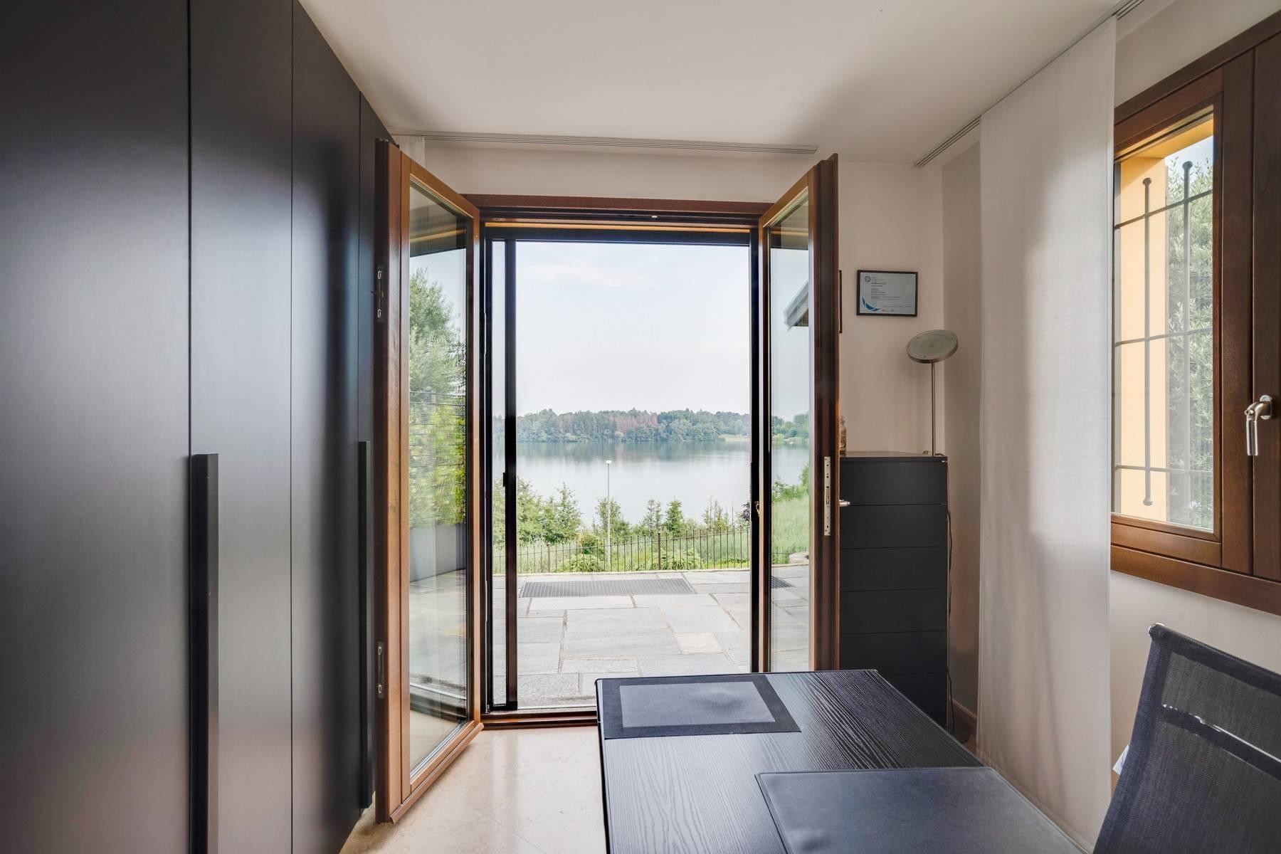 Élégante villa moderne avec une vue magnifique sur le lac de Montorfano - 21