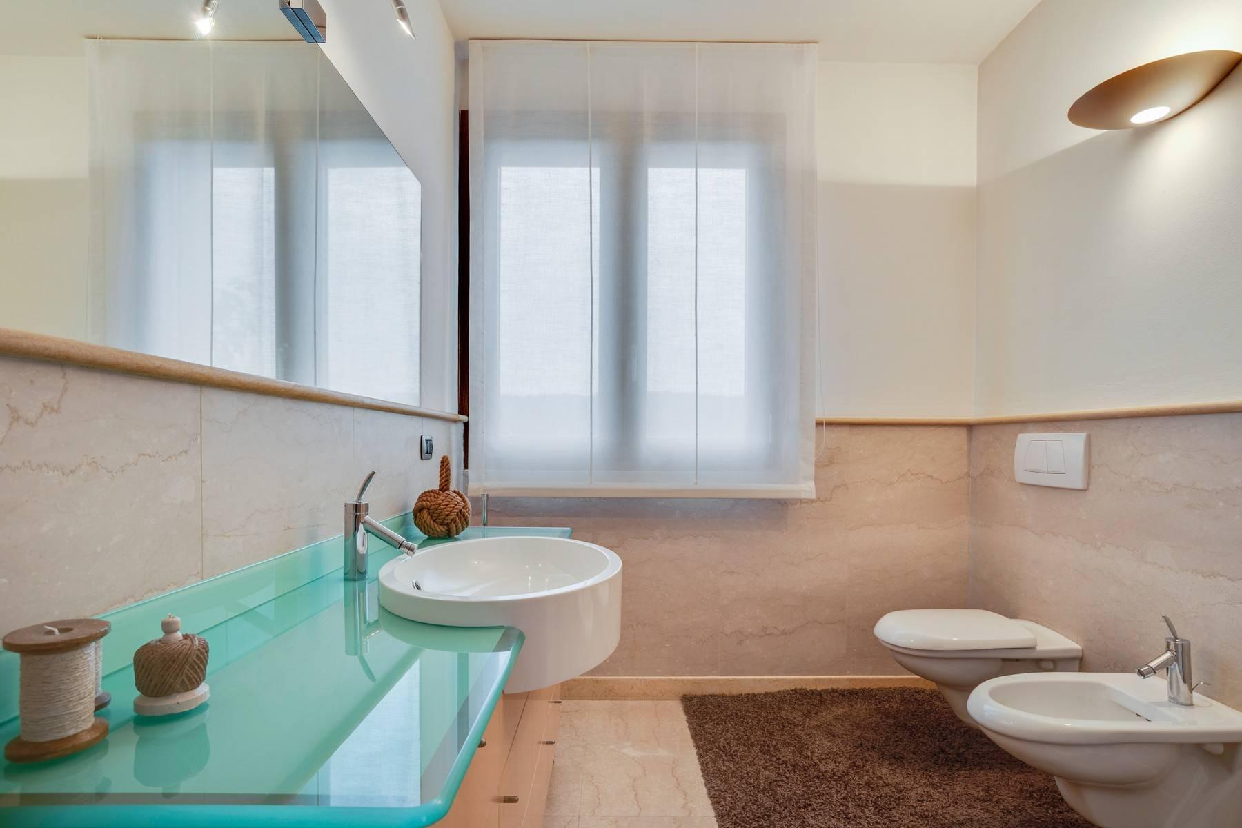 Elegante villa moderna con meravigliosa vista sul lago di Montorfano - 24