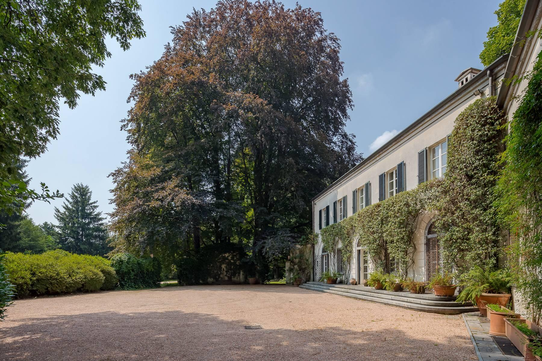 Beautiful villa close to Milan with park and swimming pool - 4