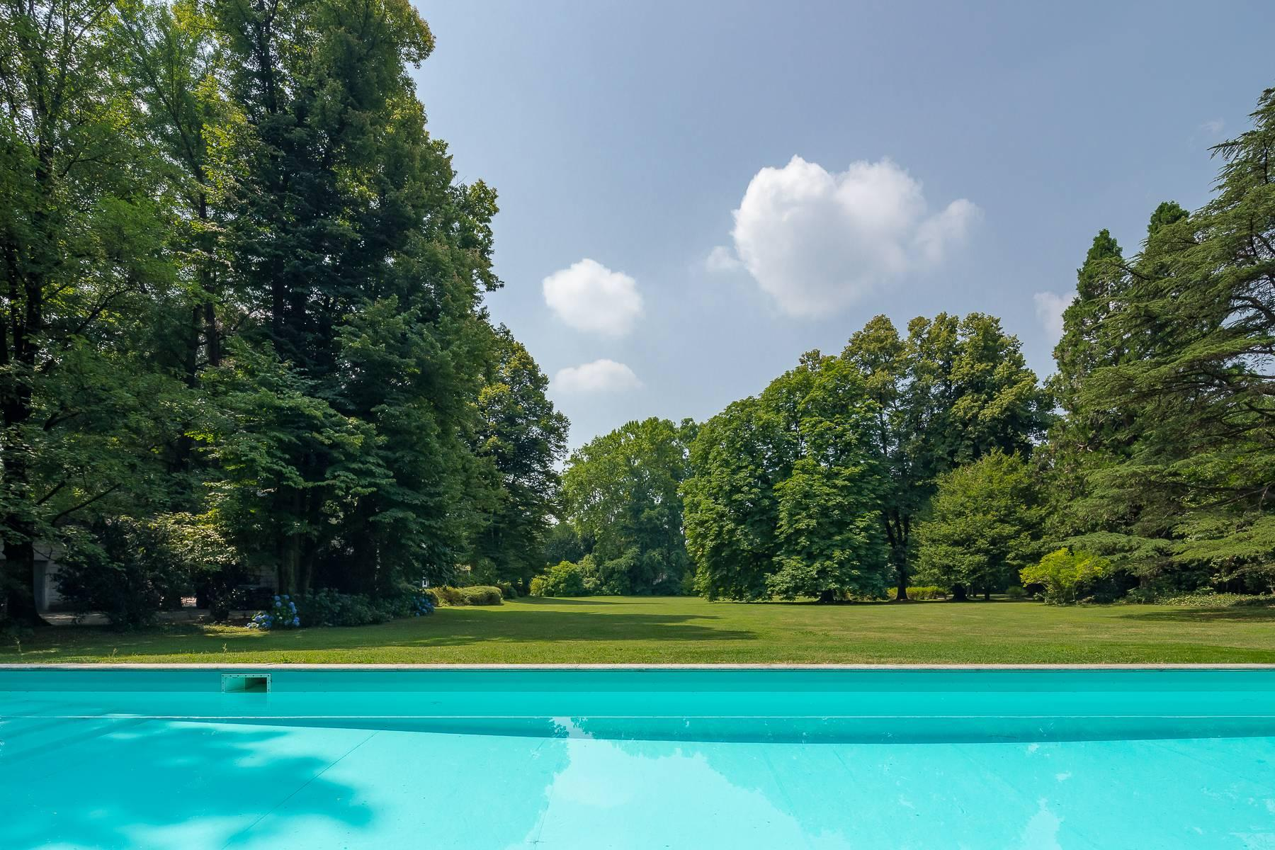 Beautiful villa close to Milan with park and swimming pool - 6