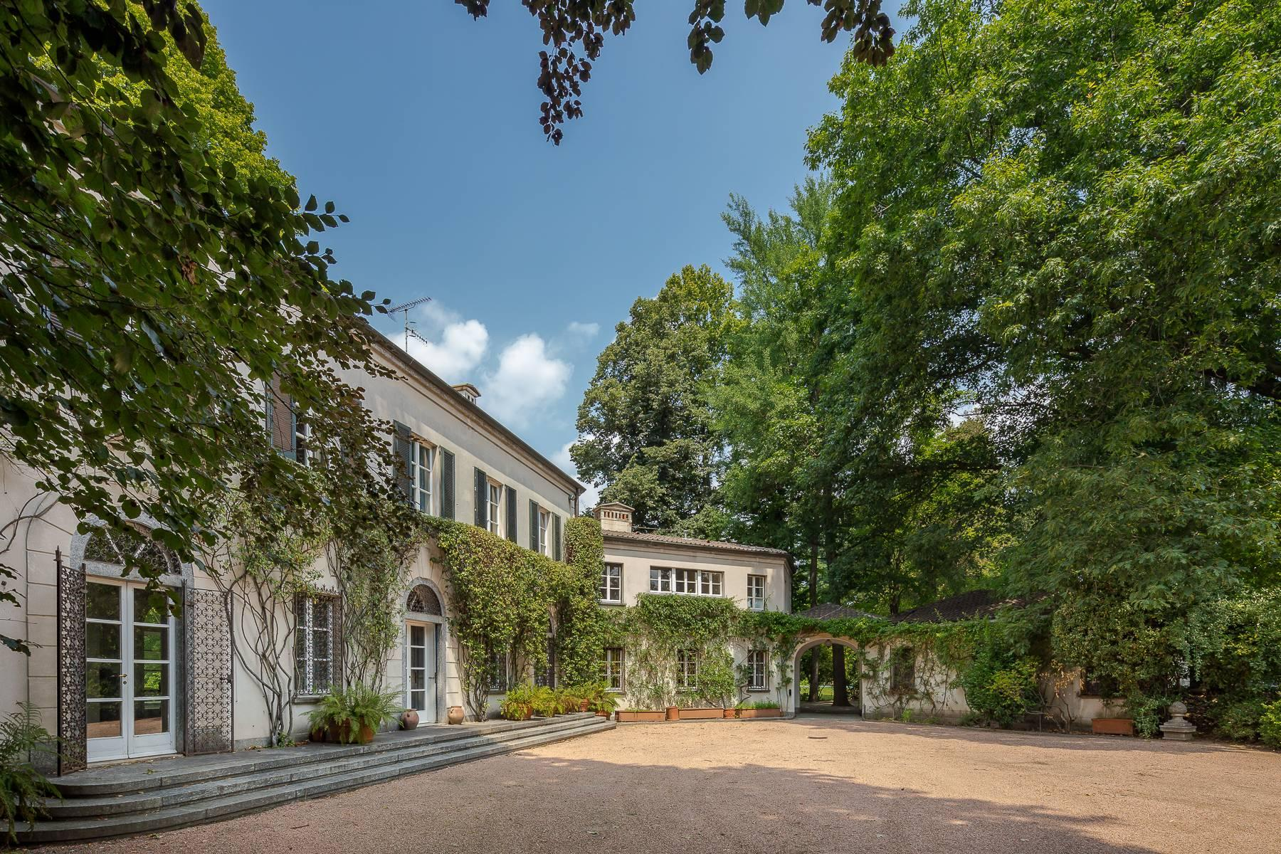 Beautiful villa close to Milan with park and swimming pool - 12