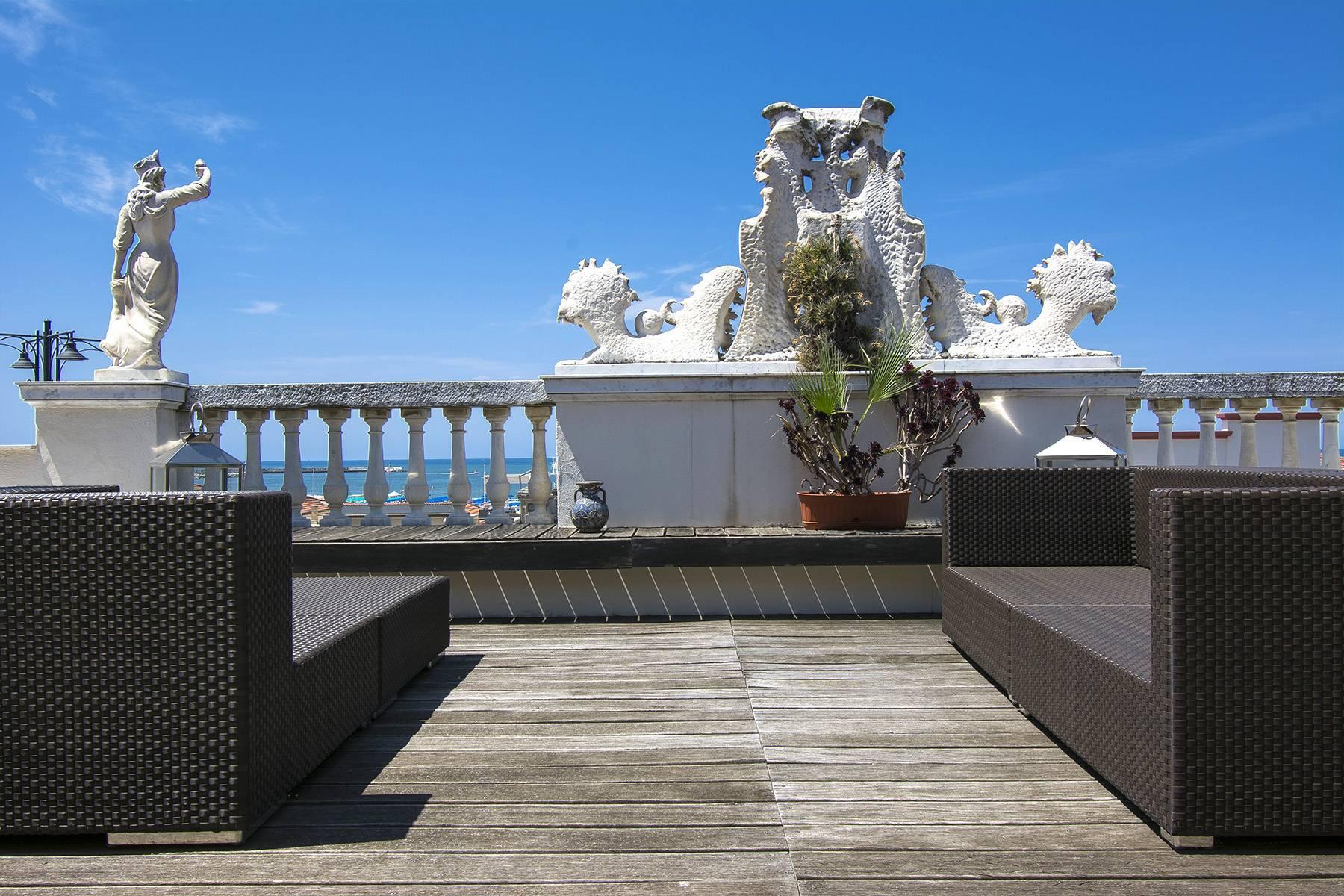 Splendido attico di lusso fronte mare in Versilia - 15