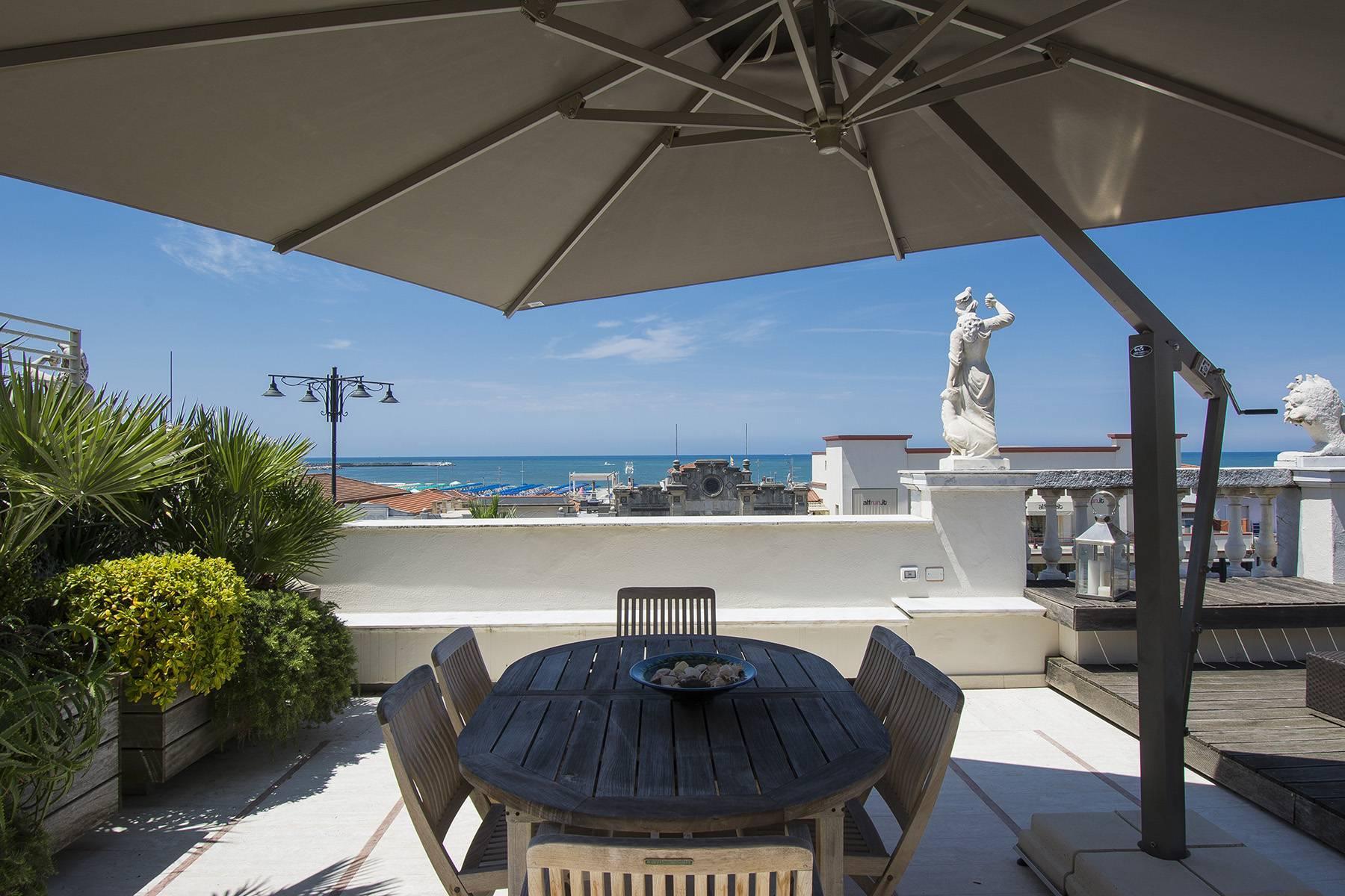Splendido attico di lusso fronte mare in Versilia - 17