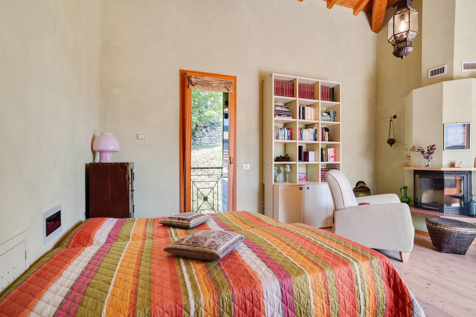 Splendida villa moderna sulla collina soleggiata sopra Argegno - 29