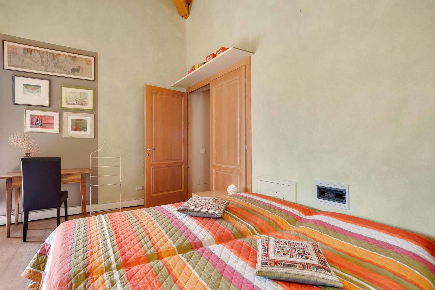 Splendida villa moderna sulla collina soleggiata sopra Argegno - 31