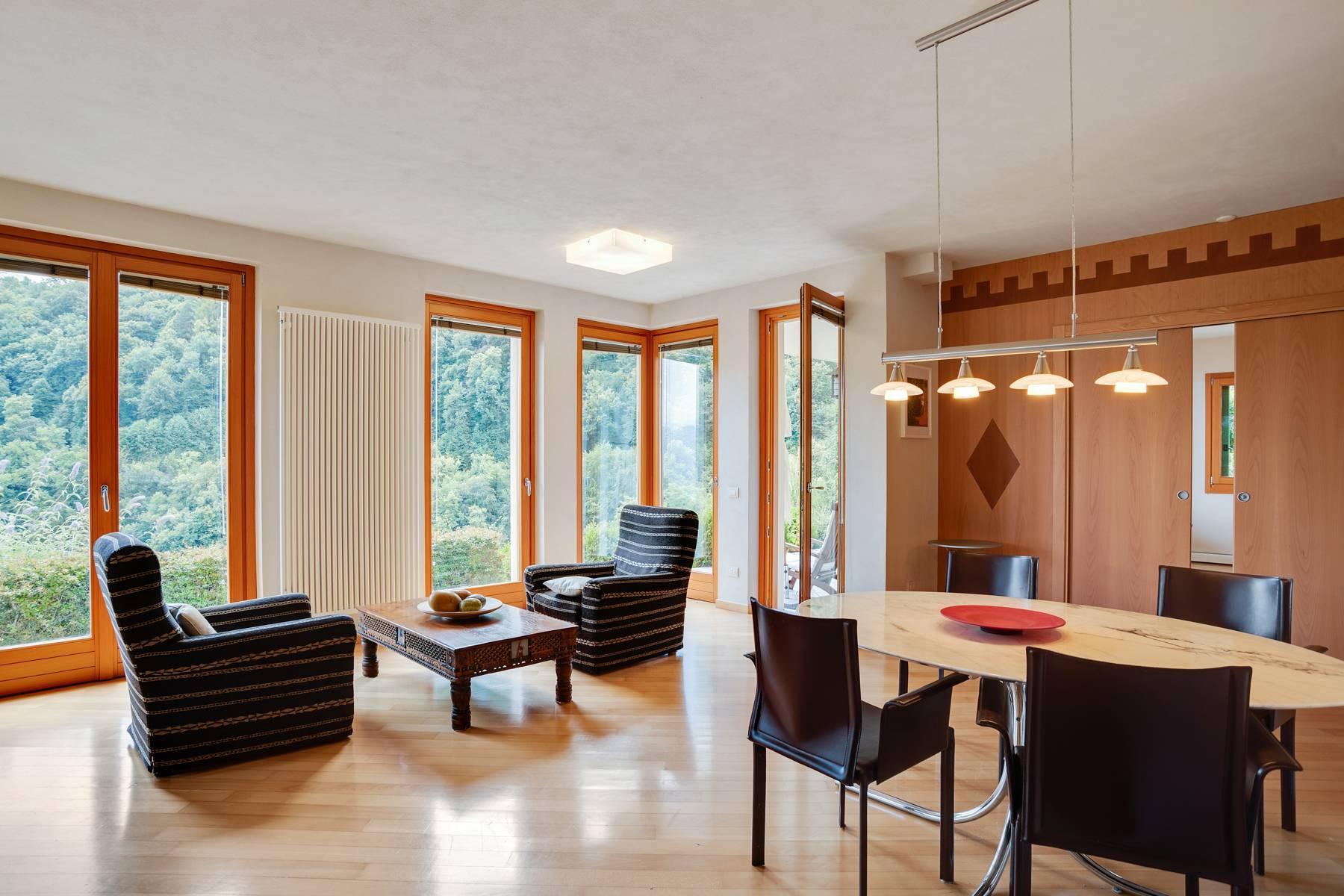 Splendida villa moderna sulla collina soleggiata sopra Argegno - 35