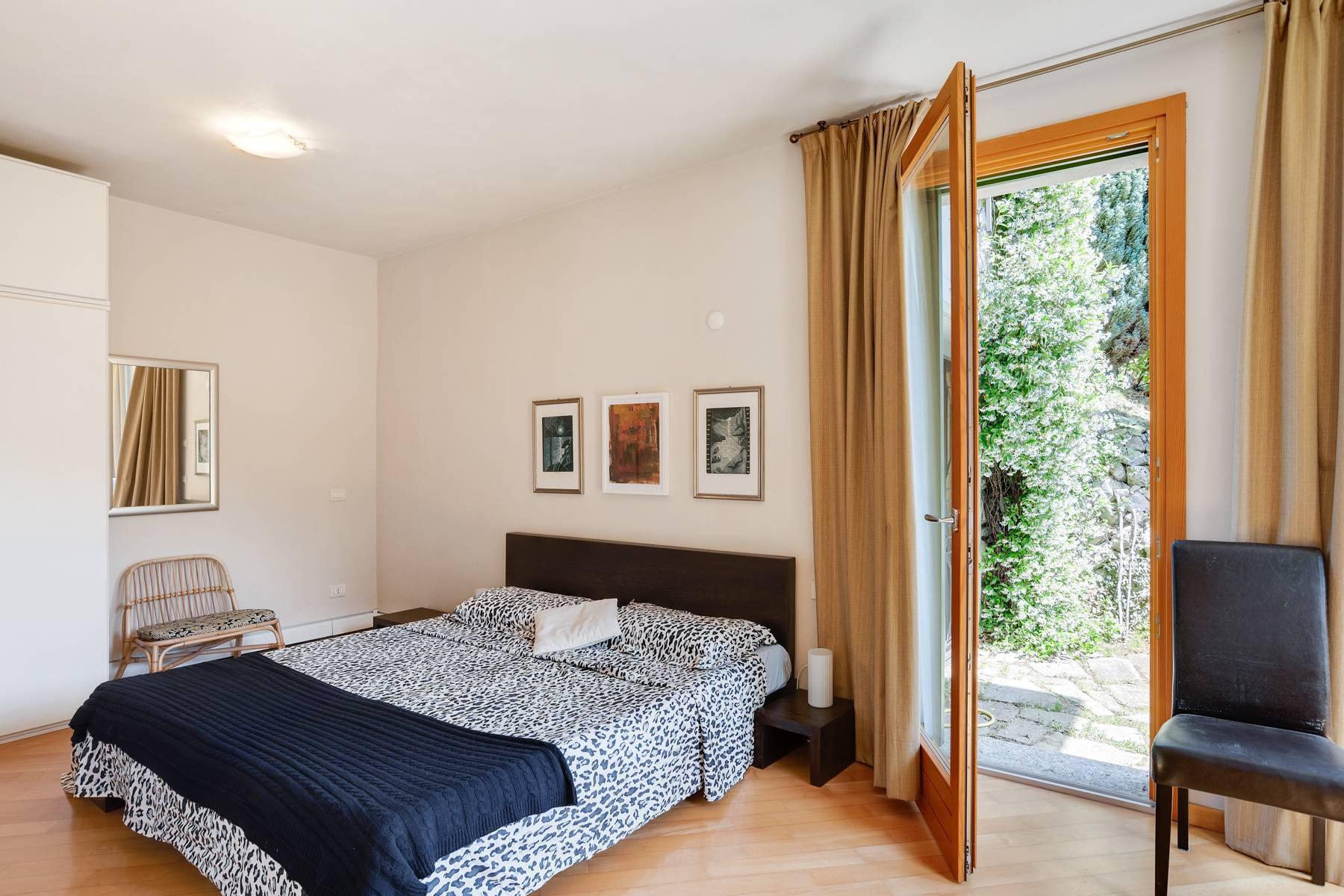 Splendida villa moderna sulla collina soleggiata sopra Argegno - 38