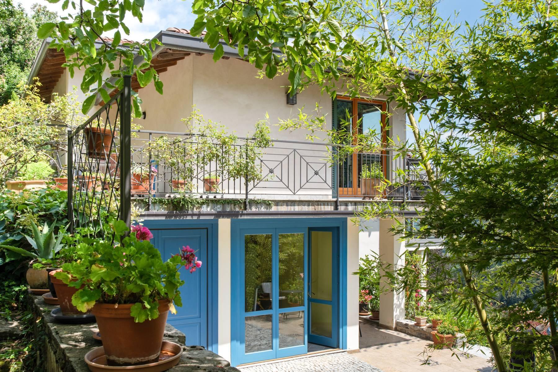 Splendida villa moderna sulla collina soleggiata sopra Argegno - 9