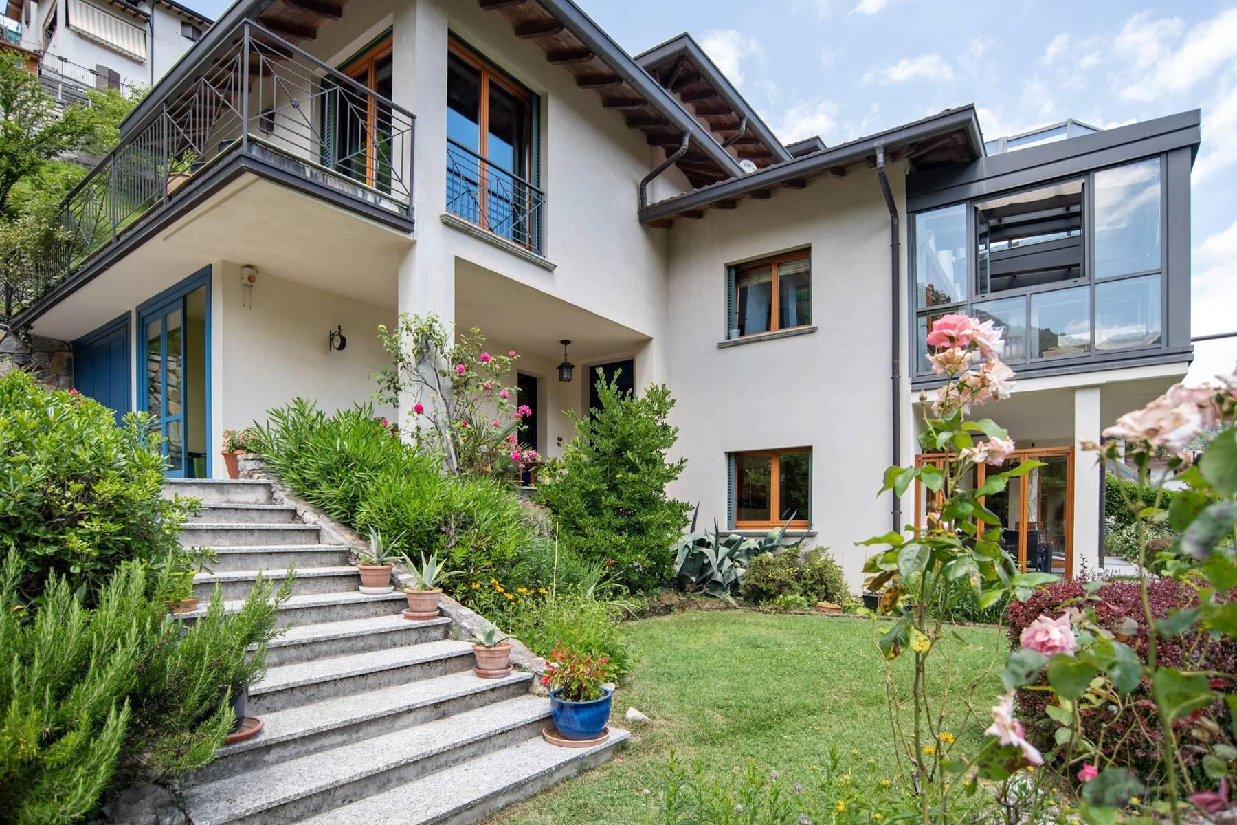 Splendida villa moderna sulla collina soleggiata sopra Argegno - 6