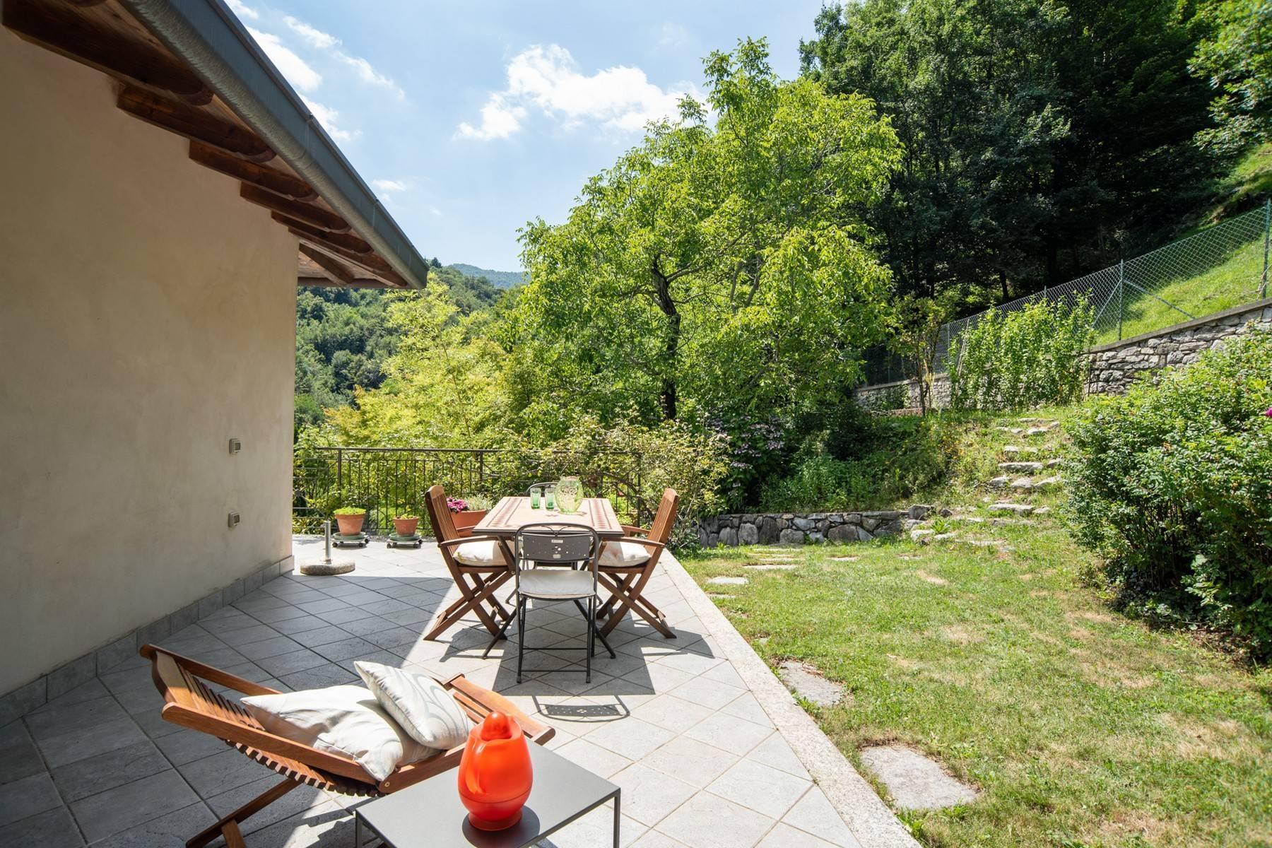 Splendida villa moderna sulla collina soleggiata sopra Argegno - 28