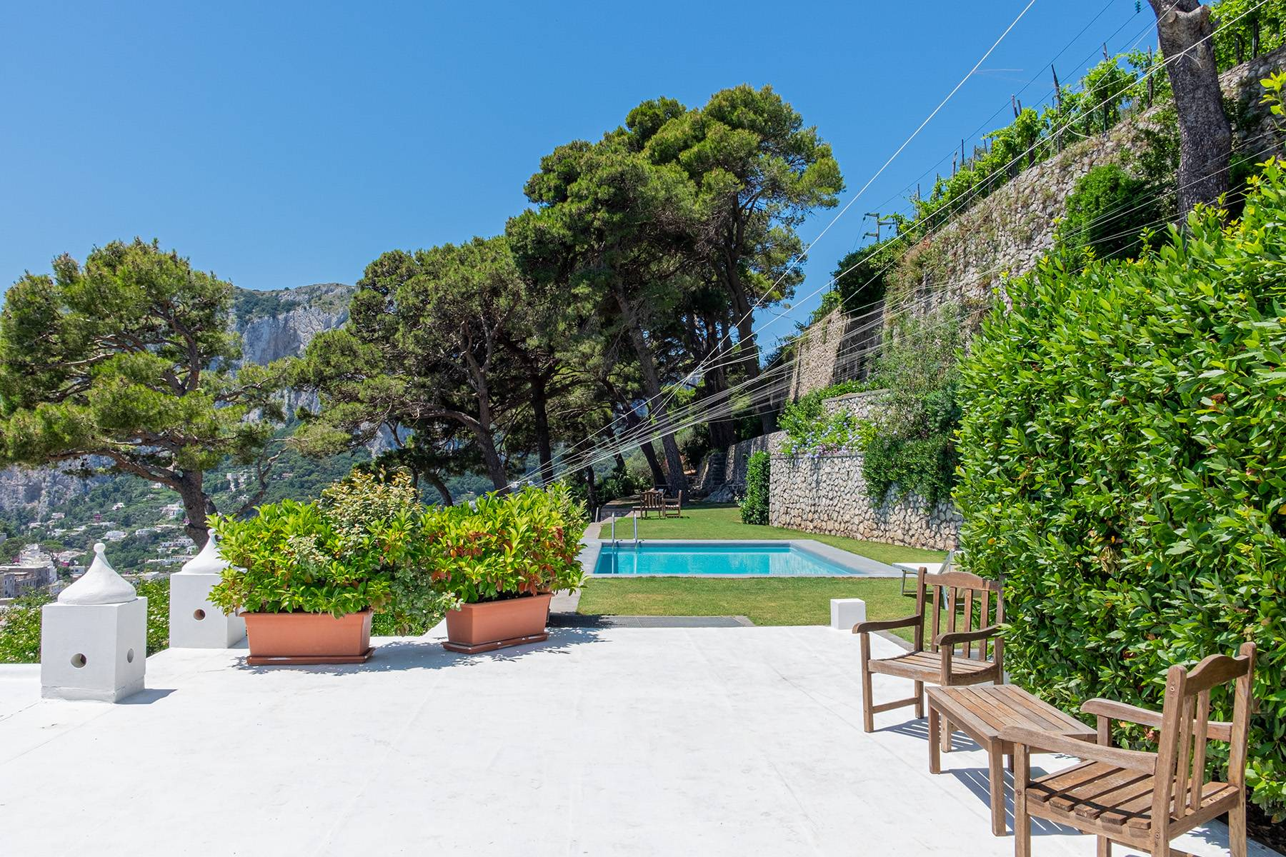 Stunning villa with swimming pool overlooking Capri and the sea - 31