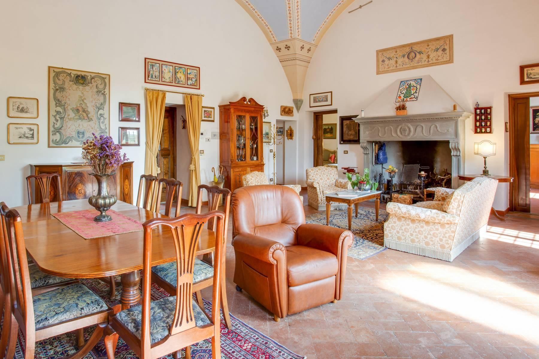 Schöne Wohnung in historischer Villa aus dem 16. Jahrhundert mit Garten - 7
