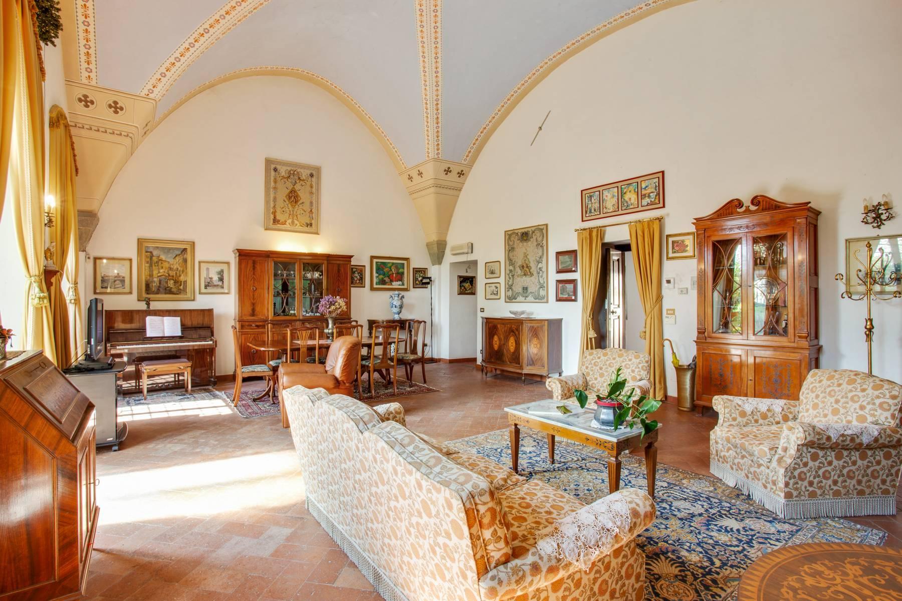 Schöne Wohnung in historischer Villa aus dem 16. Jahrhundert mit Garten - 4