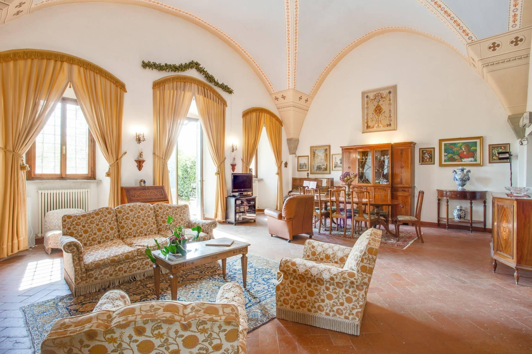 Schöne Wohnung in historischer Villa aus dem 16. Jahrhundert mit Garten - 5